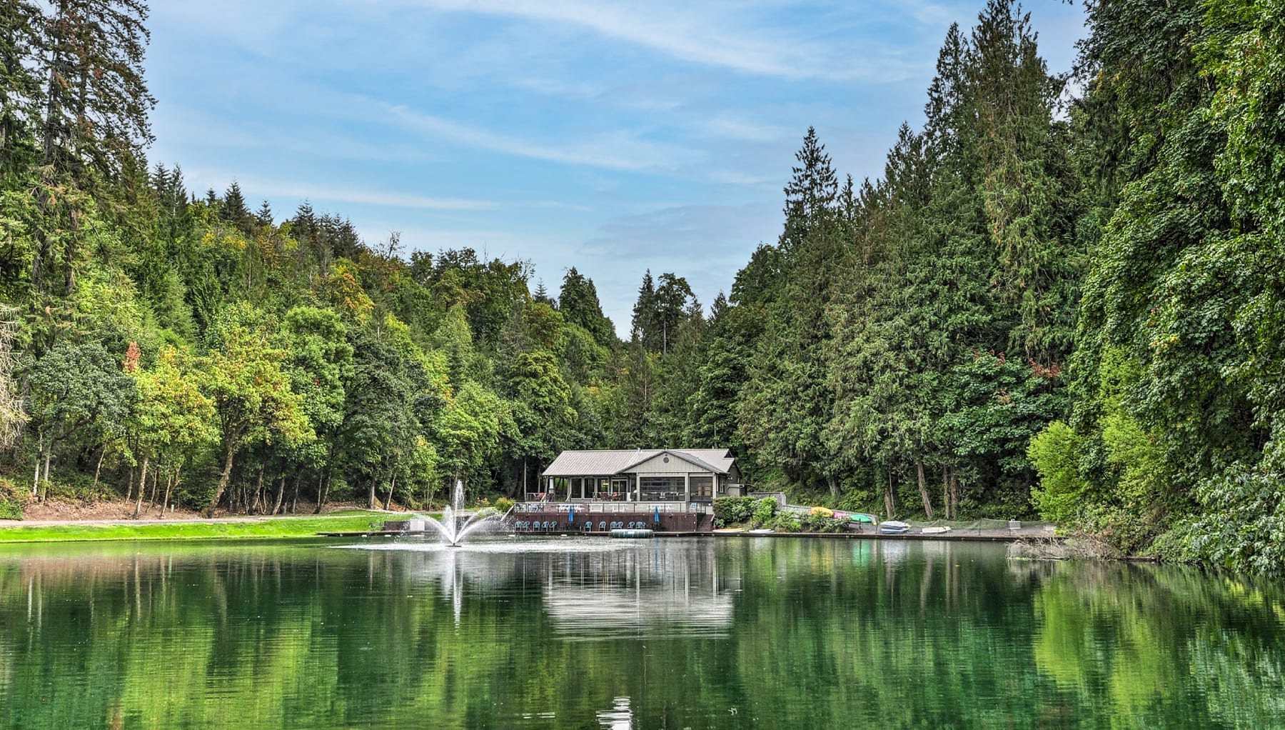 The 10 Best Places to Buy a Lake House in 2022