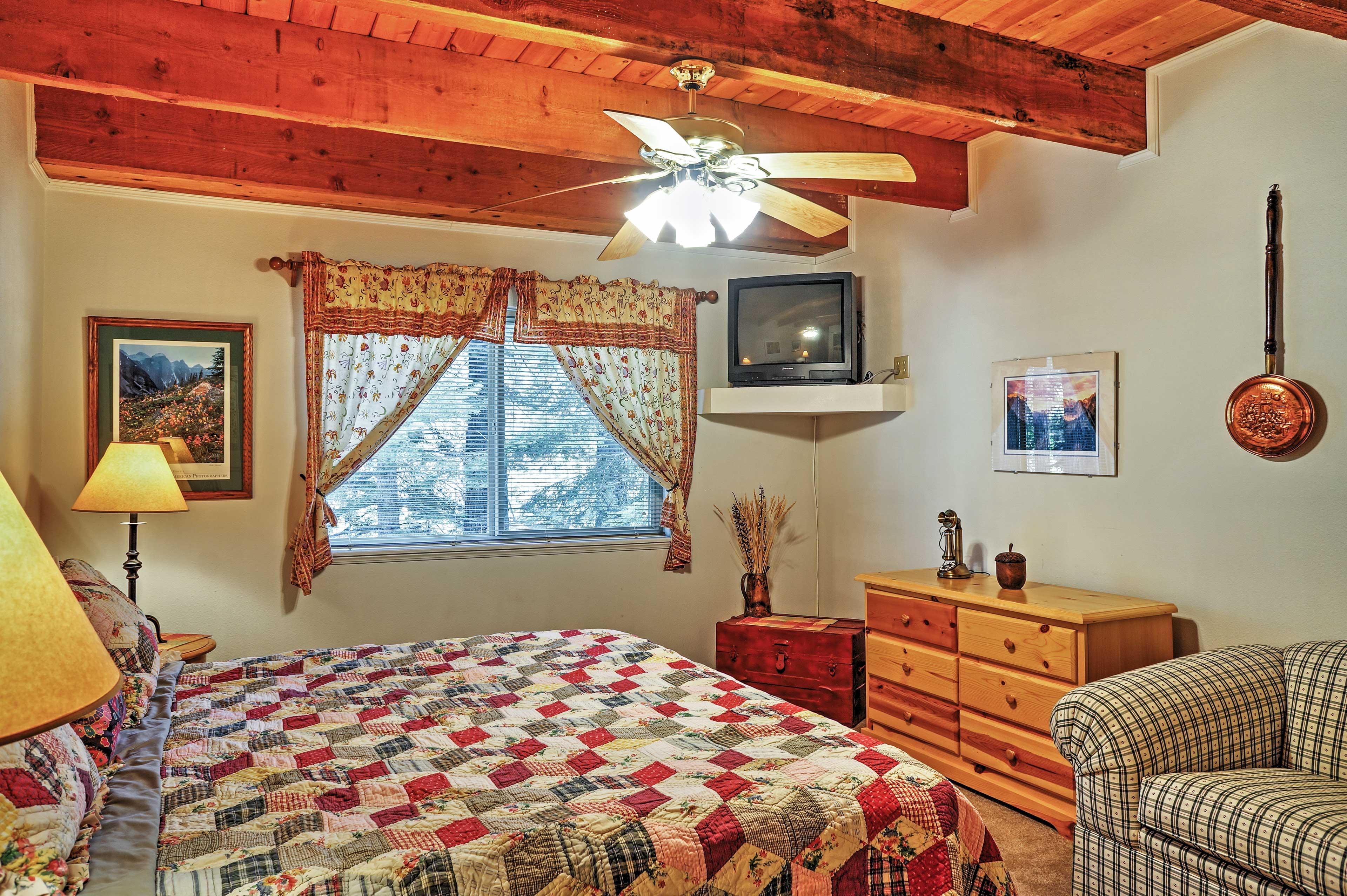 Master Bedroom | 1st Floor | King Bed