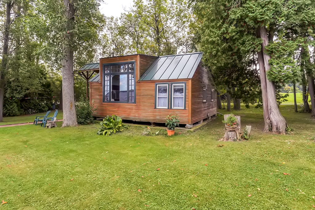 You'll feel totally relaxed at this 2-bedroom, 1-bath vacation rental cottage.