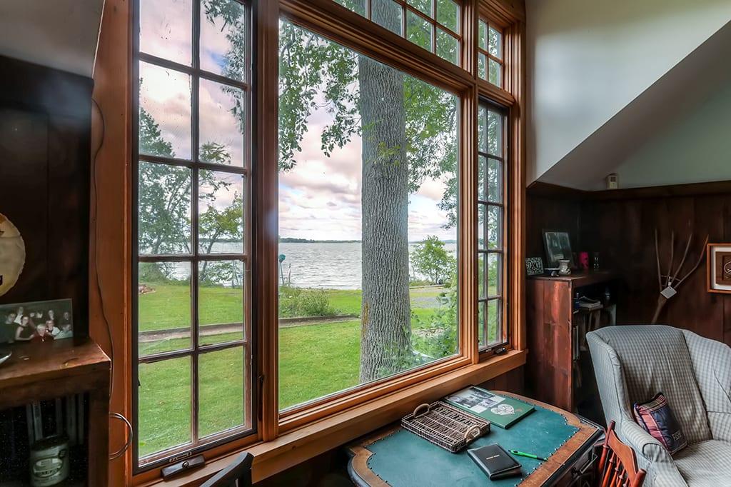 Enjoy beautiful views of the lake!
