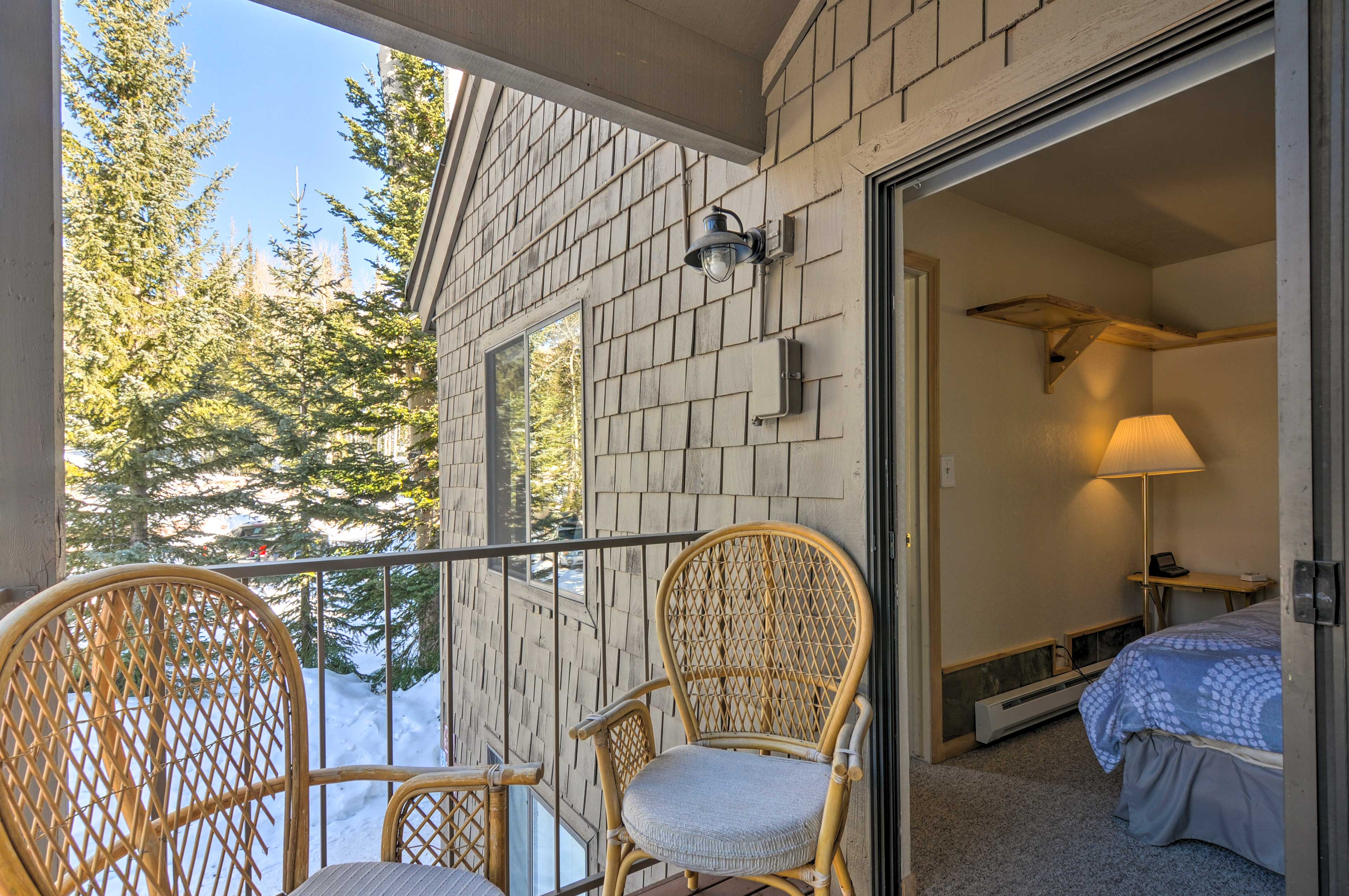Step out of the sliding glass door to breathe in the fresh mountain air!