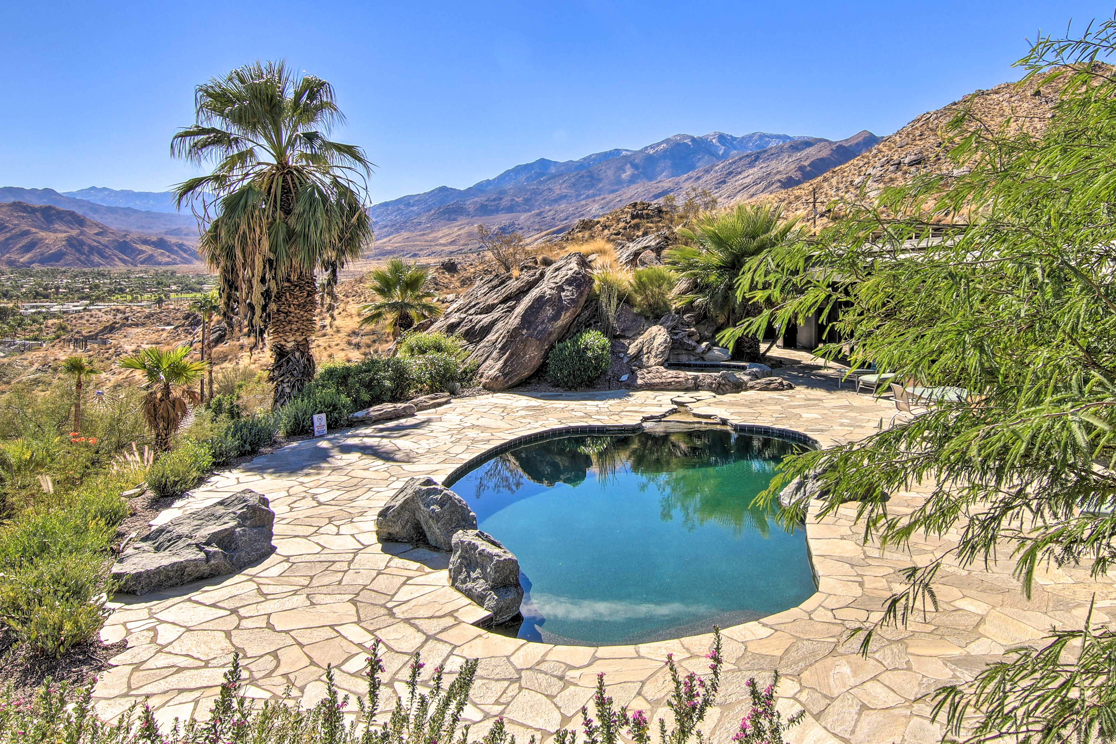 Private Outdoor Oasis