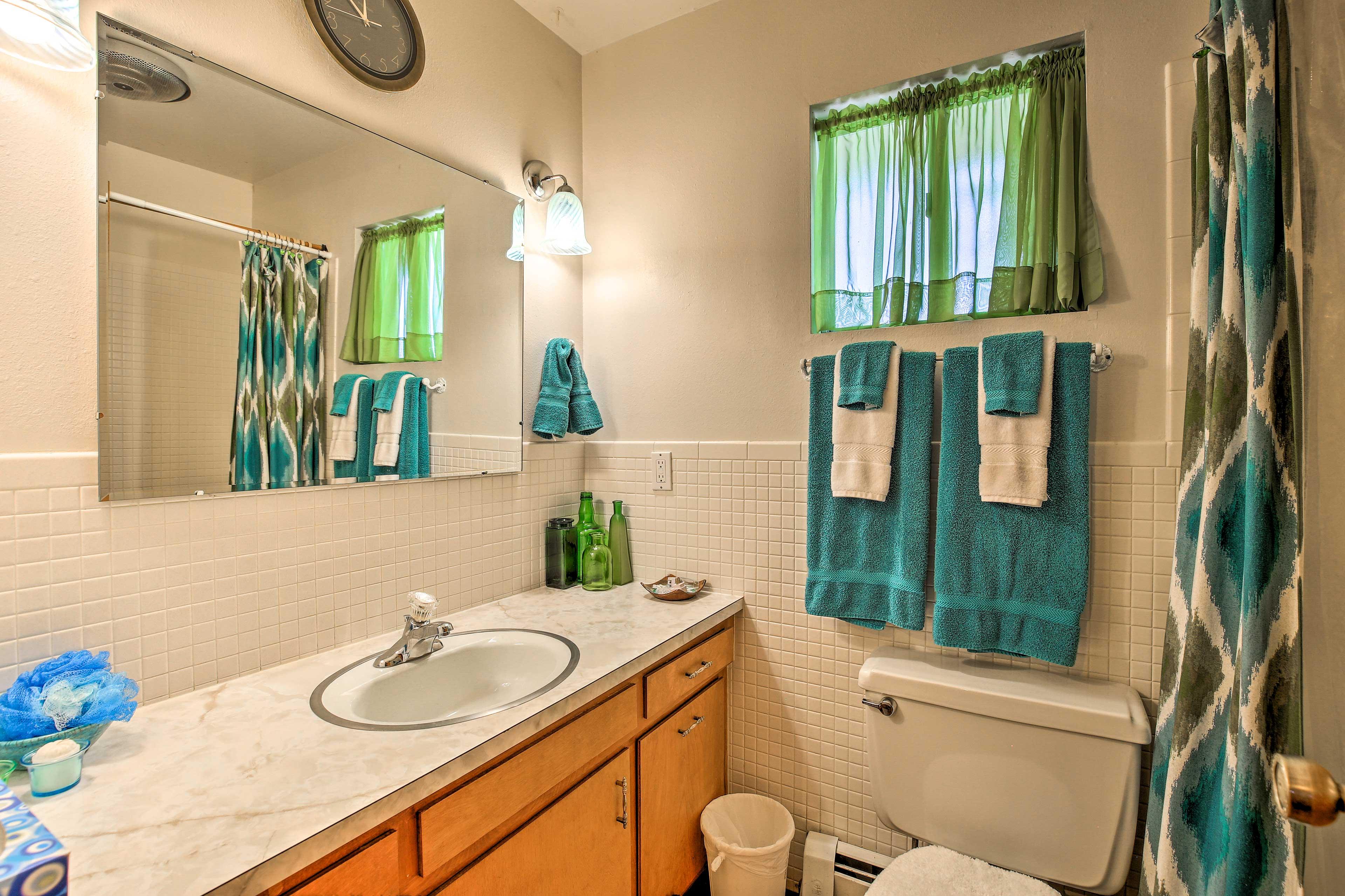Bathroom | Main Floor