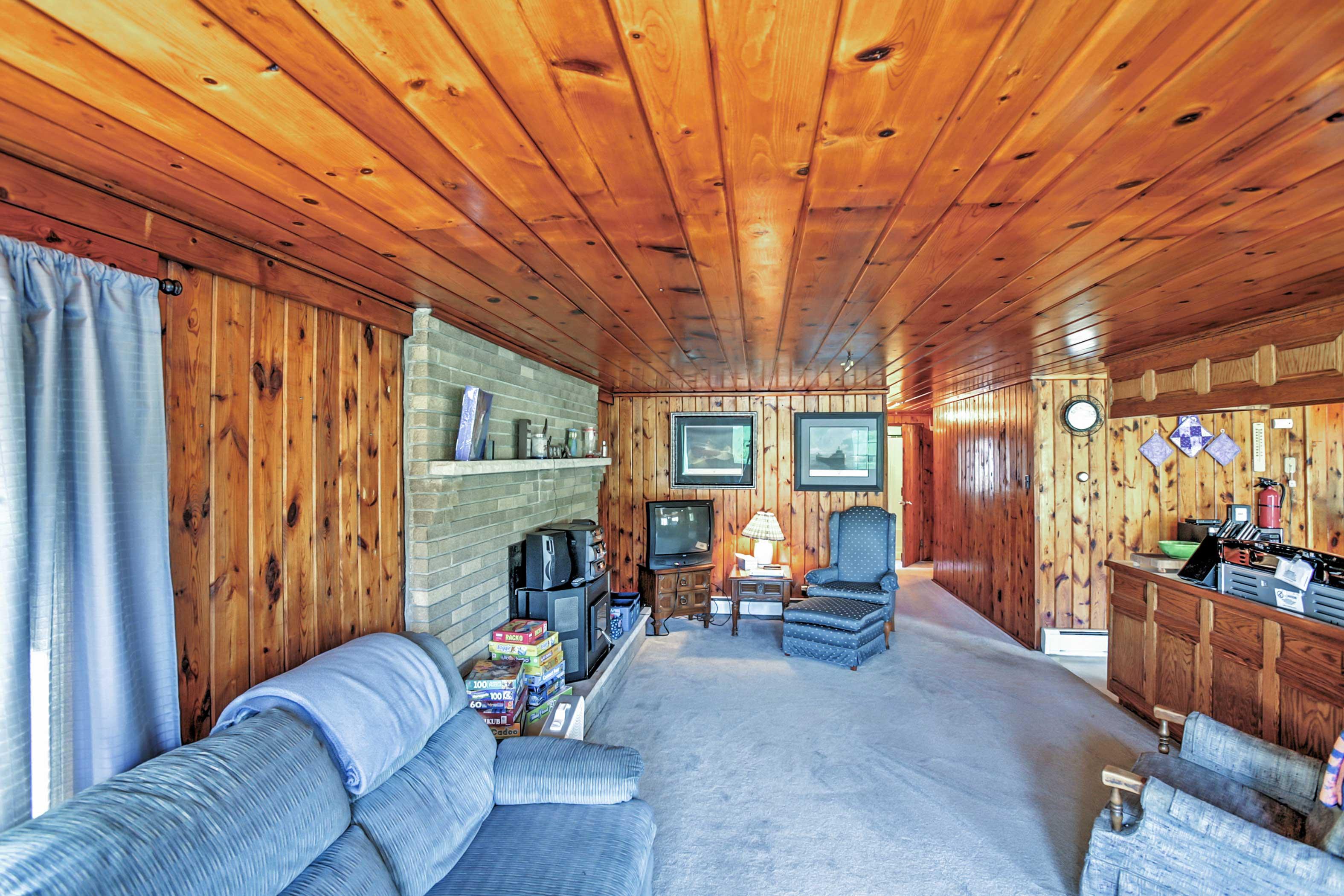 Living Room | TV