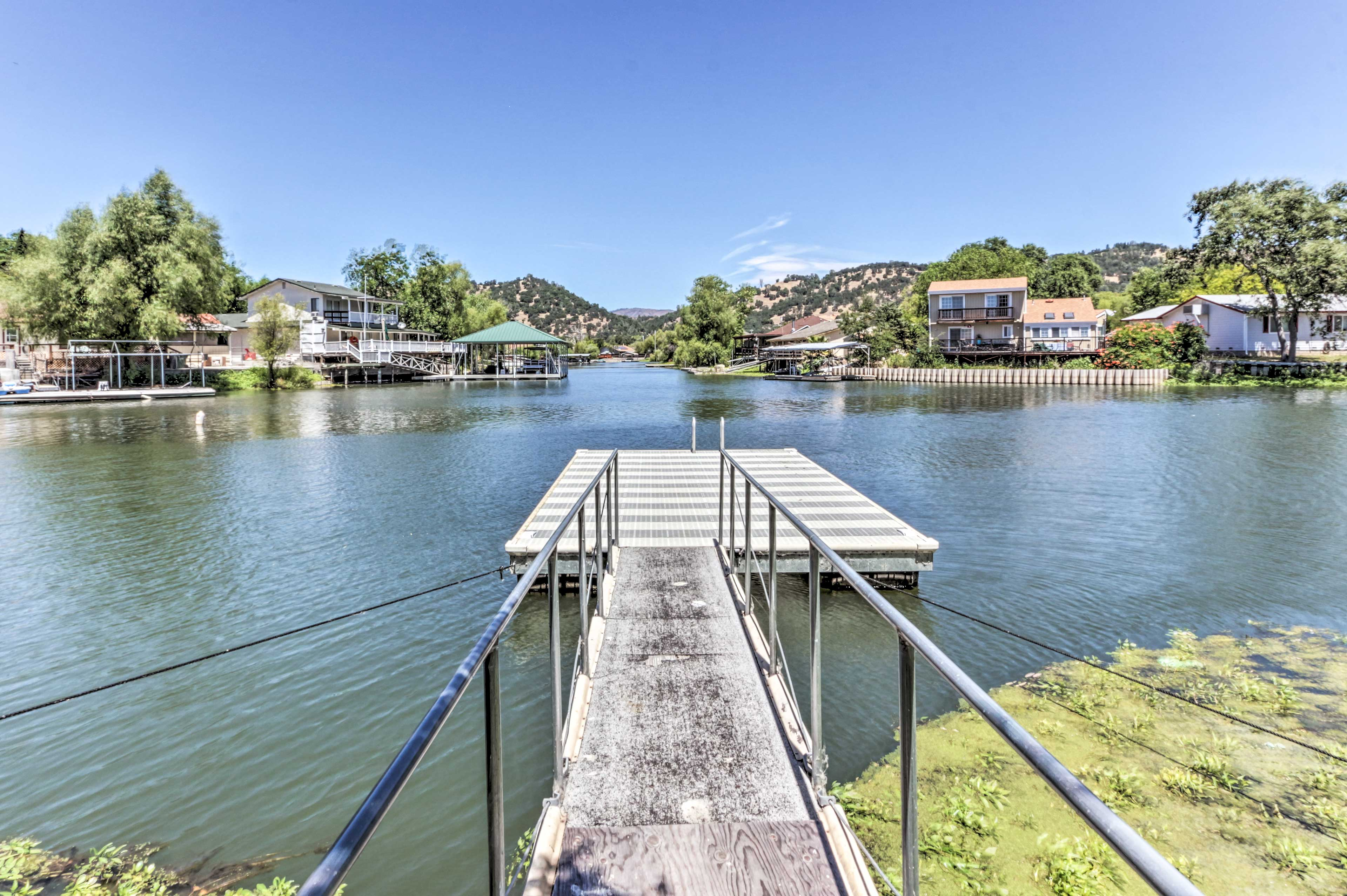 Private Dock | Direct Access to Clear Lake