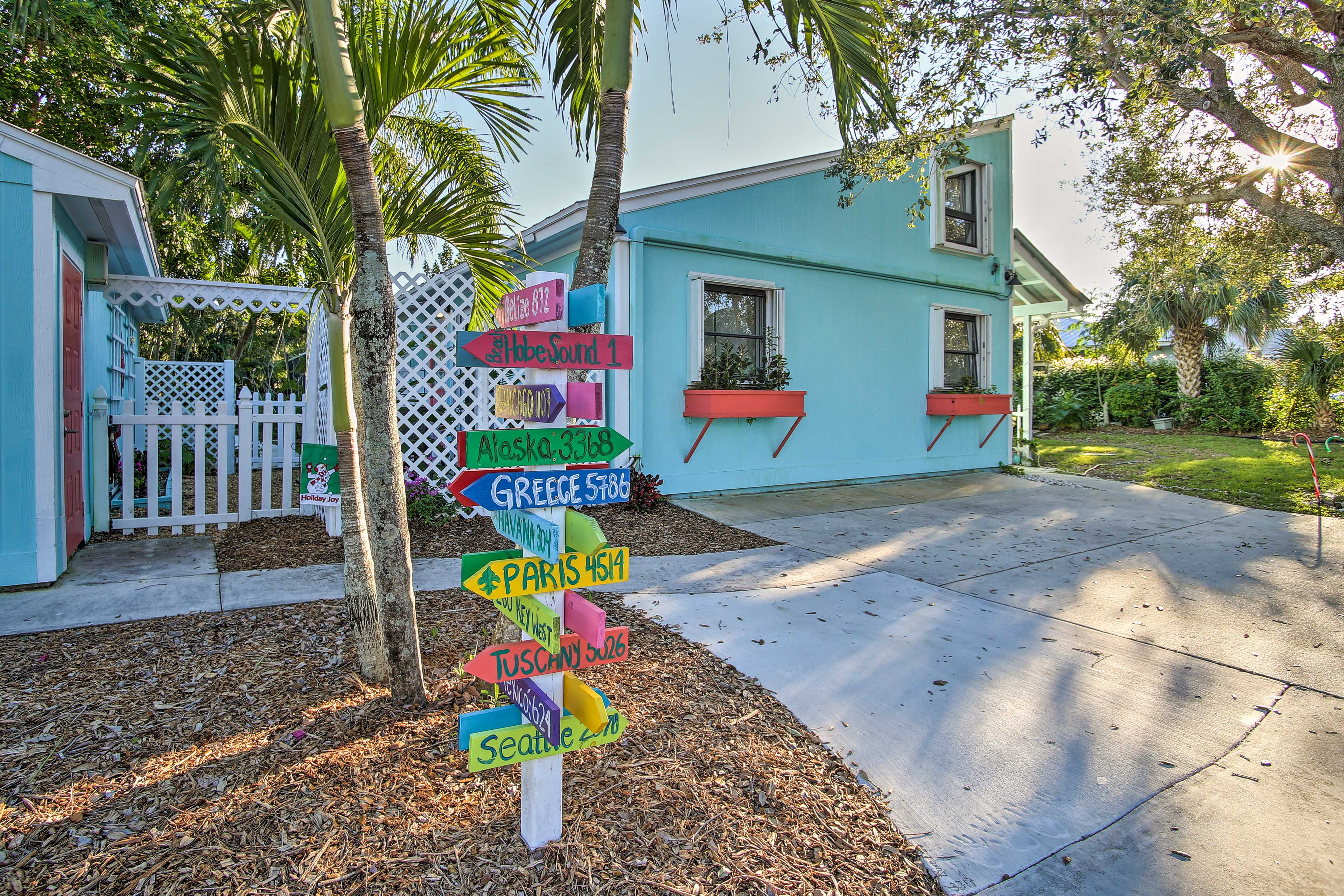 Hobe Sound Vacation Rental Cottage | 1BR | 1BA | 700 Sq Ft | Stairs Required