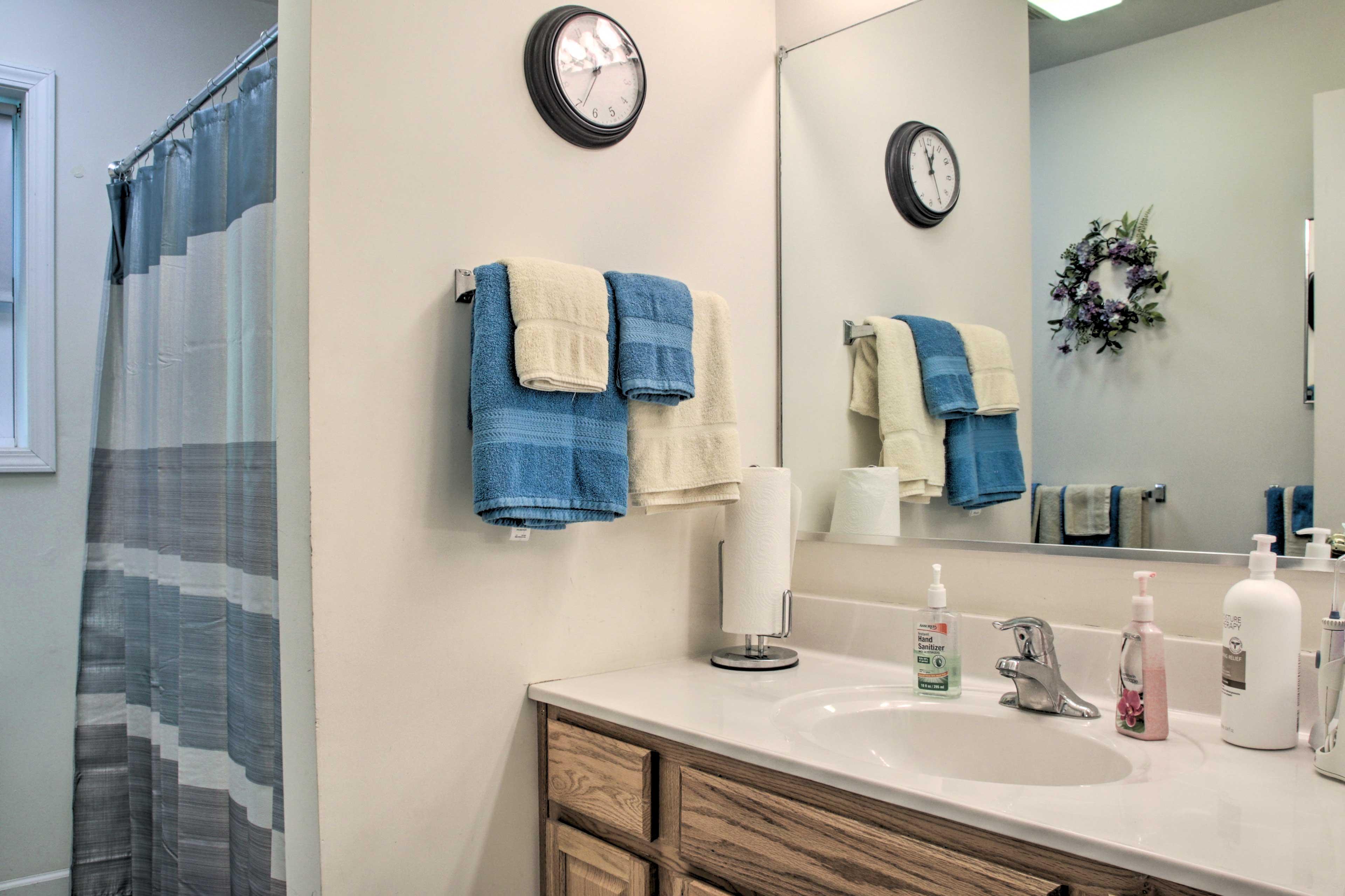 Bathroom   Ground Floor   Complimentary Toiletries   Towels Provided