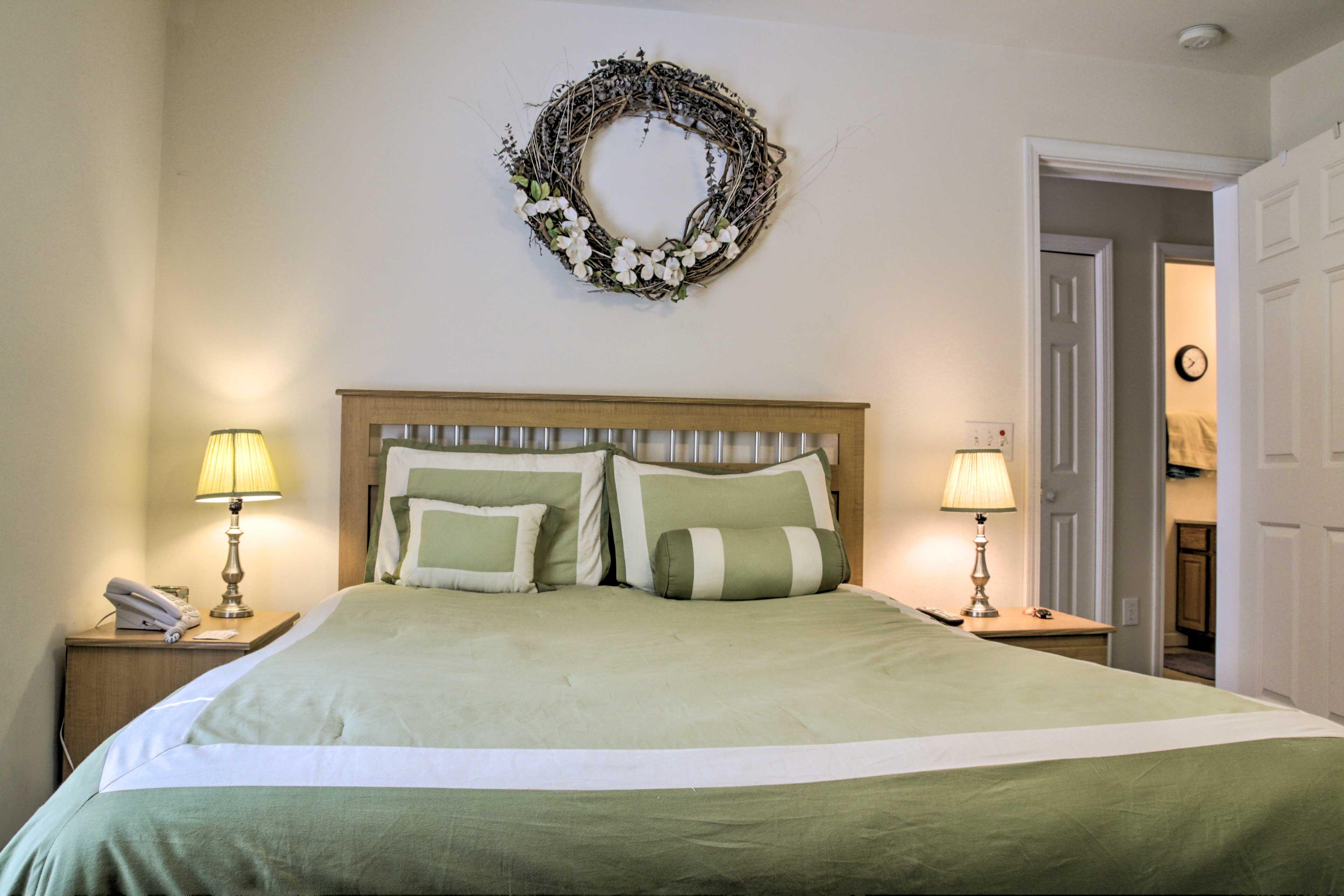 Bedroom 2   Ground Floor   Queen Bed
