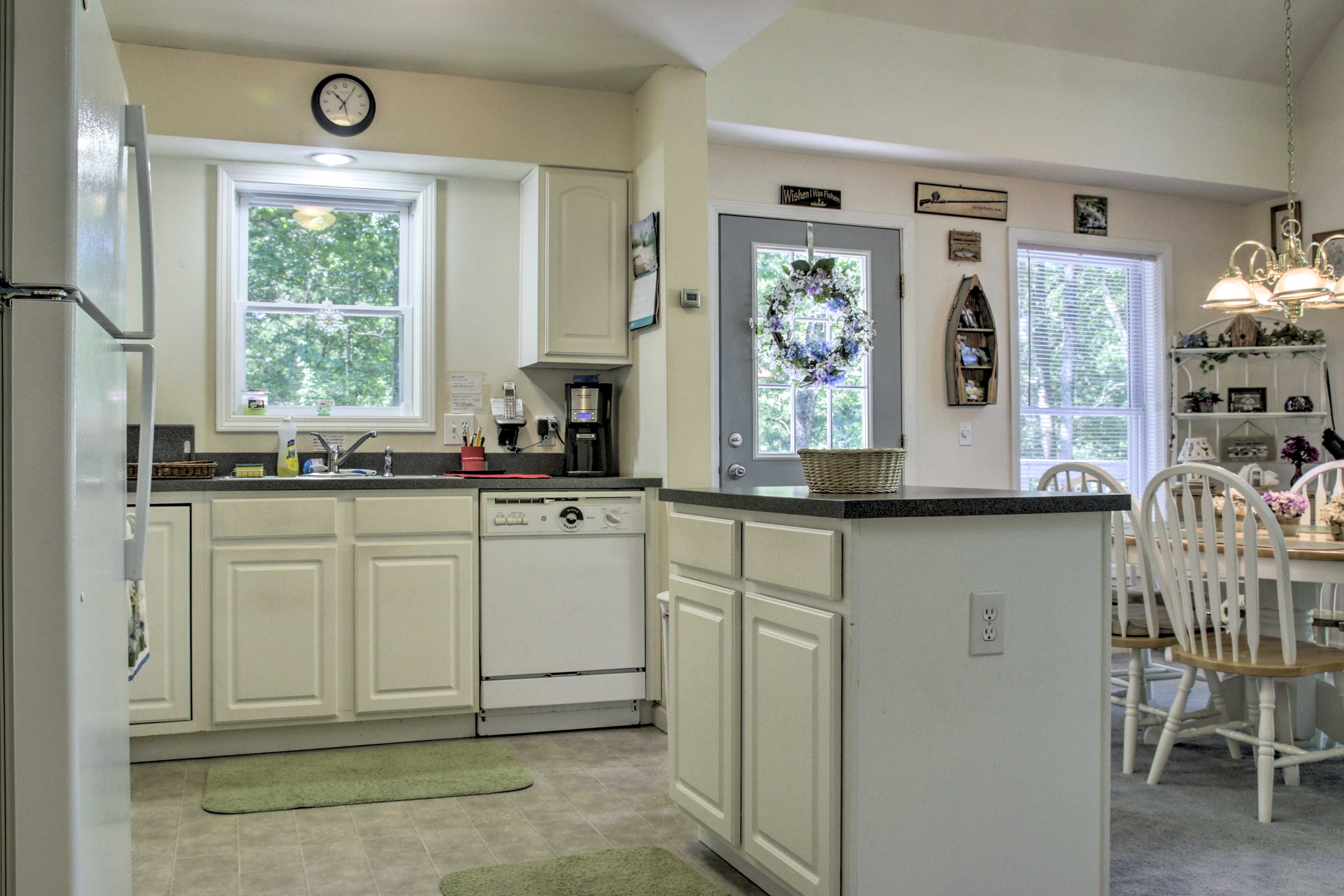 Fully Equipped Kitchen   Main Floor   Cooking Basics
