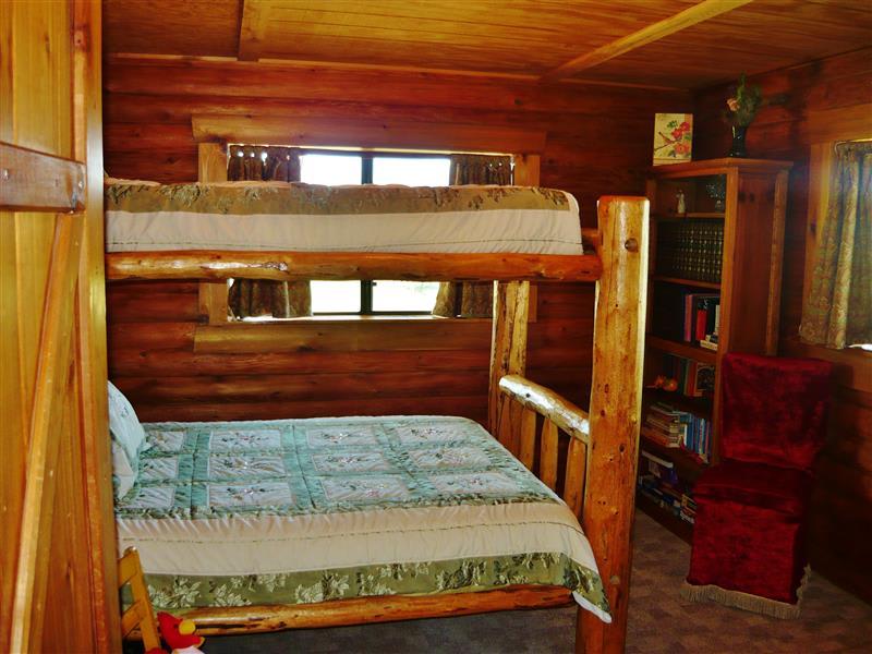 Bedroom 3 | Twin/Full Log Bunk Bed