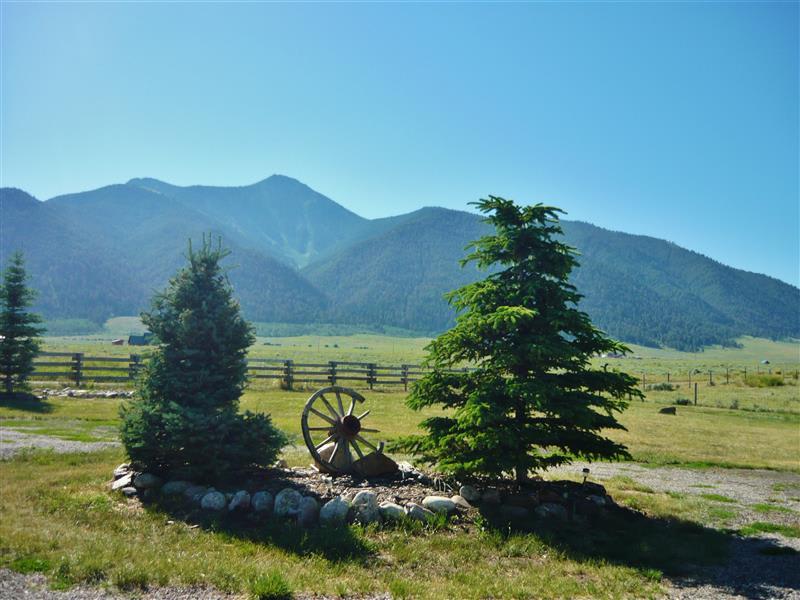 Cameron Vacation Rental | 3BR | 2BA | 1,984 Sq Ft | 2 Stories