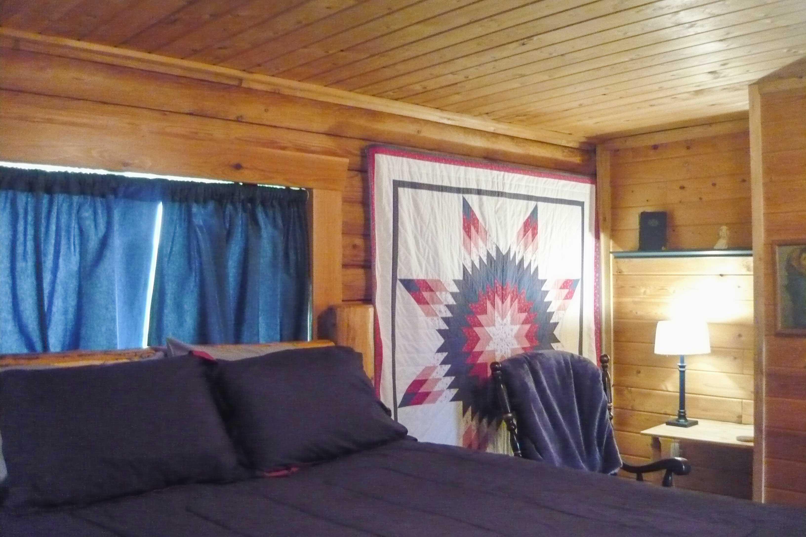 Bedroom 2 | Queen Log Bed
