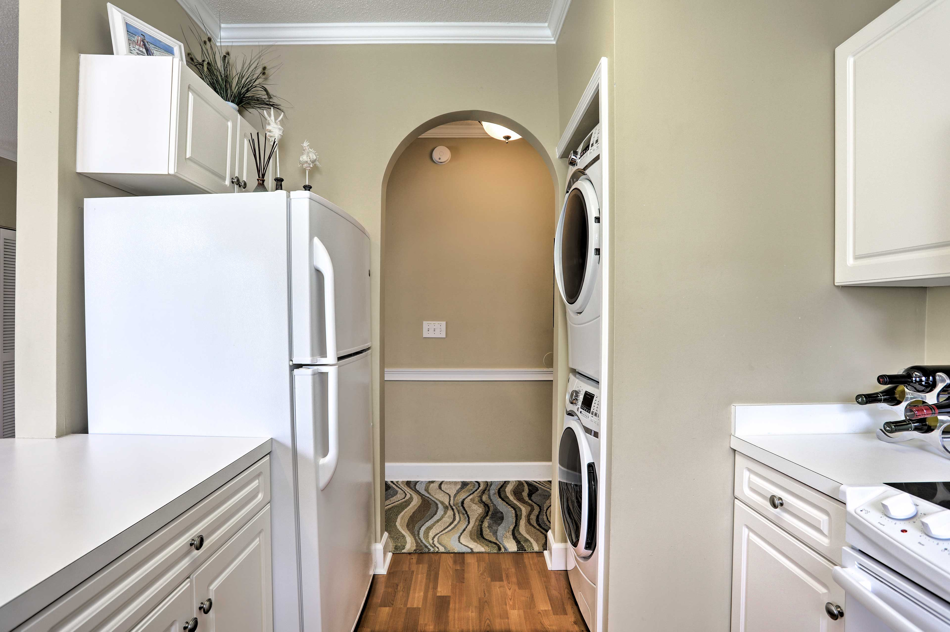 Kitchen | In-Unit Laundry