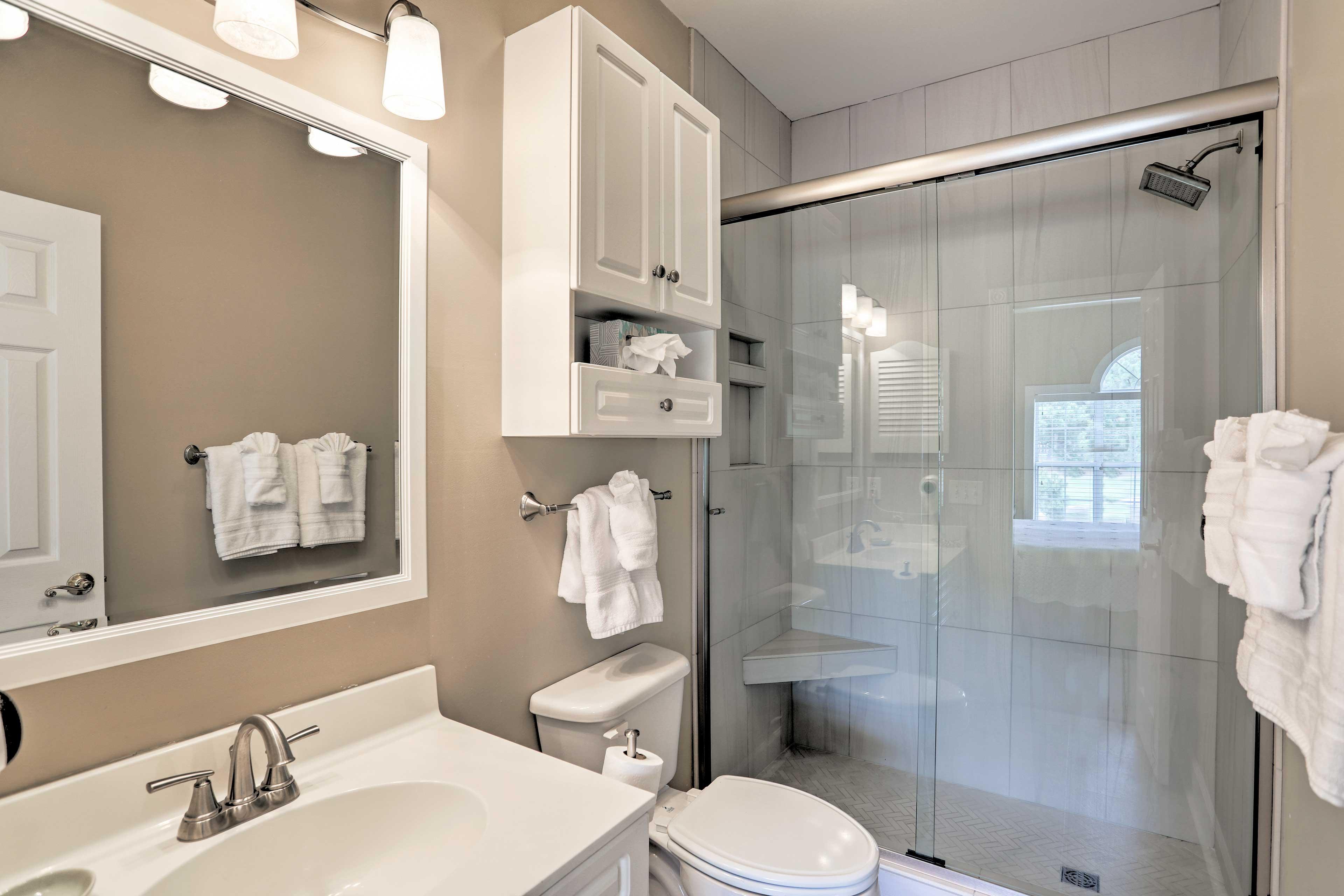 En-Suite Bathroom | Walk-In Shower | Towels Provided