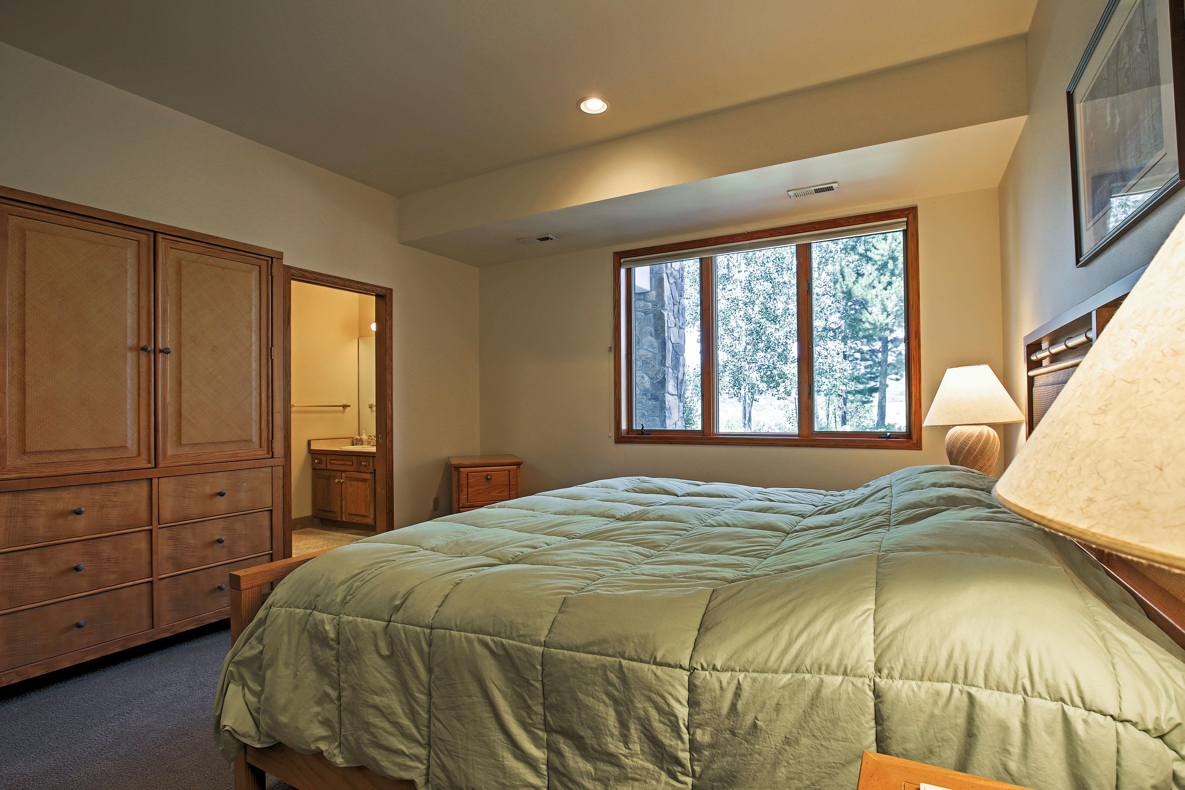 Bedroom 2 | King Bed | Downstairs
