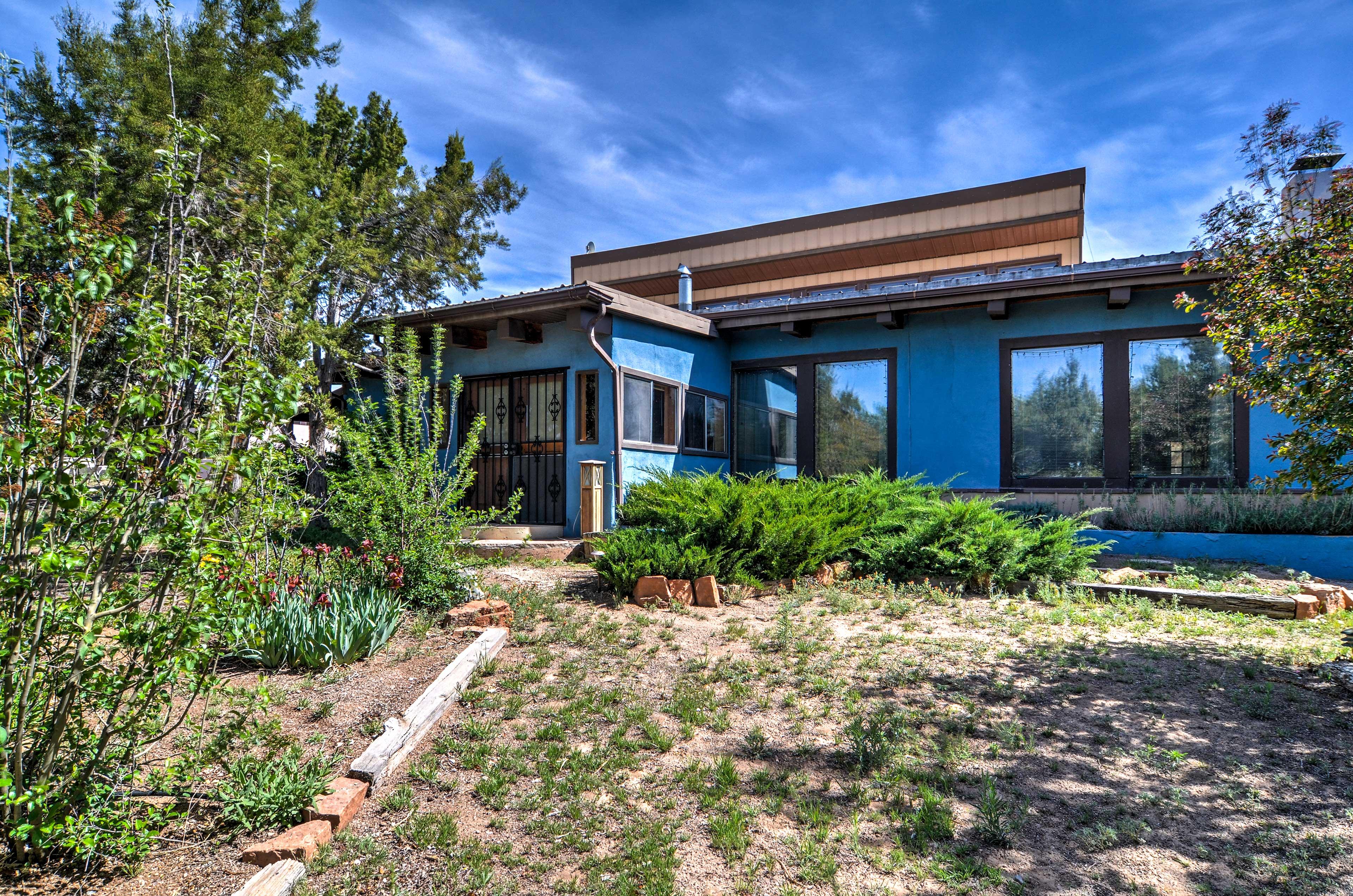 Santa Fe Vacation Rental   2BR   2BA   2,400 Sq Ft   1 Story