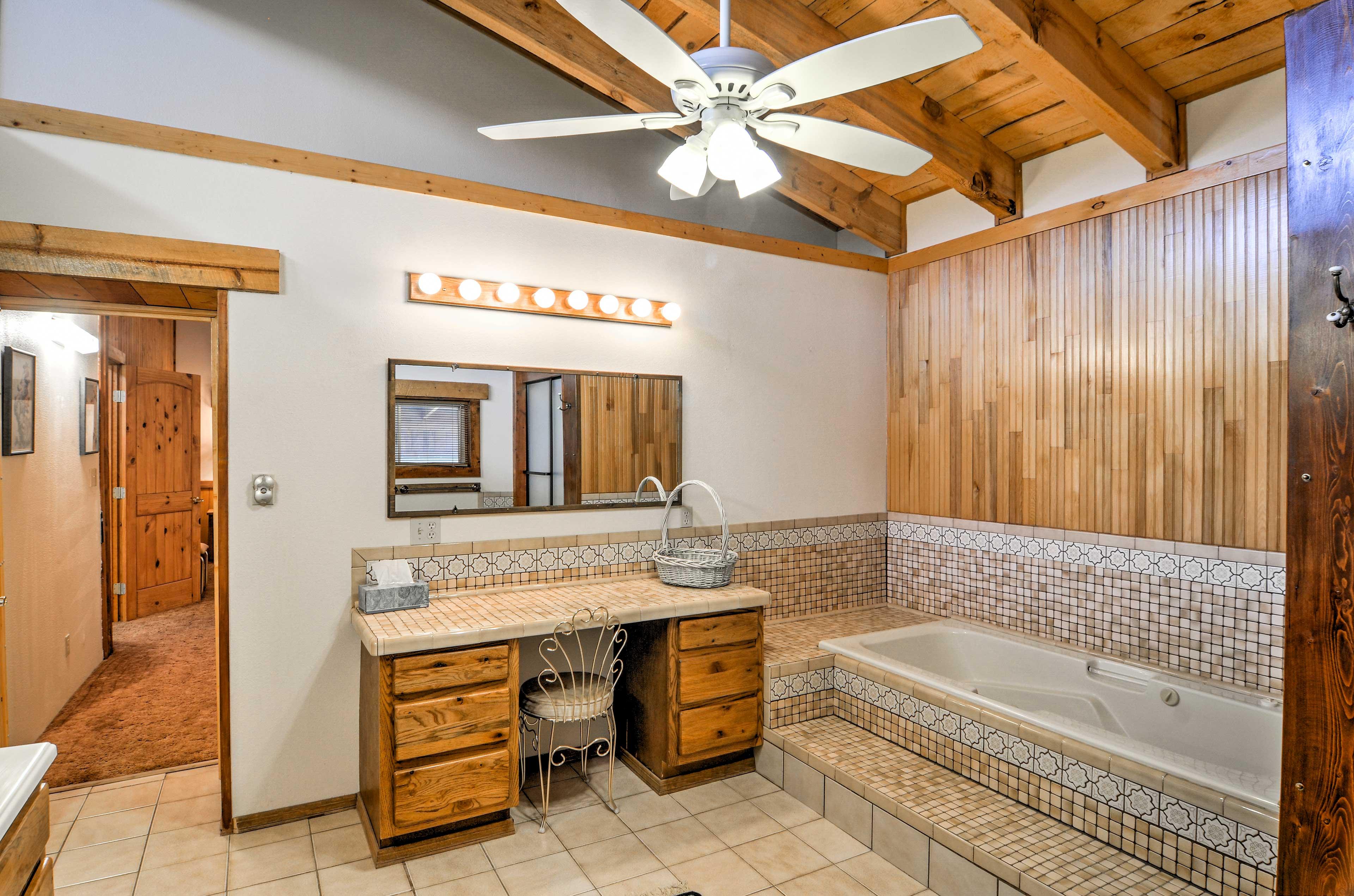 Bathroom   Complimentary Toiletries