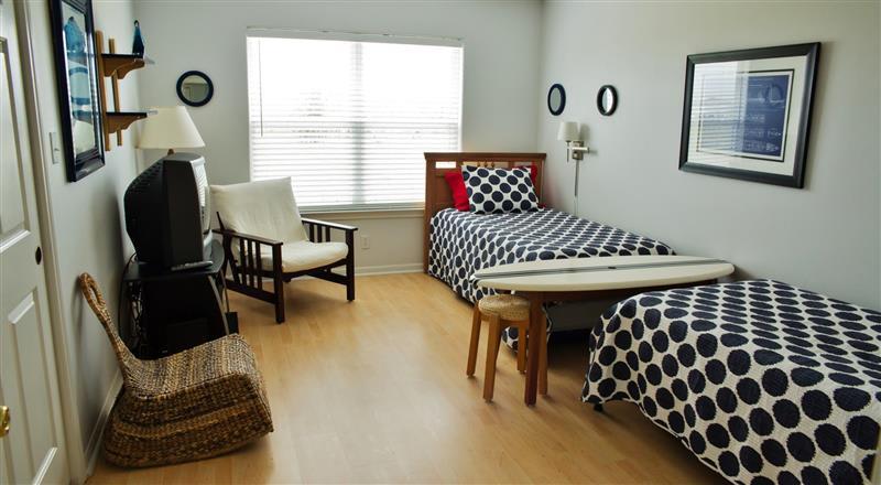 Bedroom 2   2 Twin Beds
