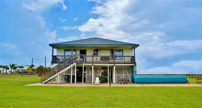 Galveston Vacation Rental   3BR   2.5BA   2,100 Sq Ft   2 Stories