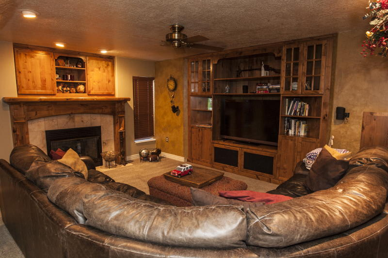 Basement   Cable TV   Free WiFi   Stairs Required
