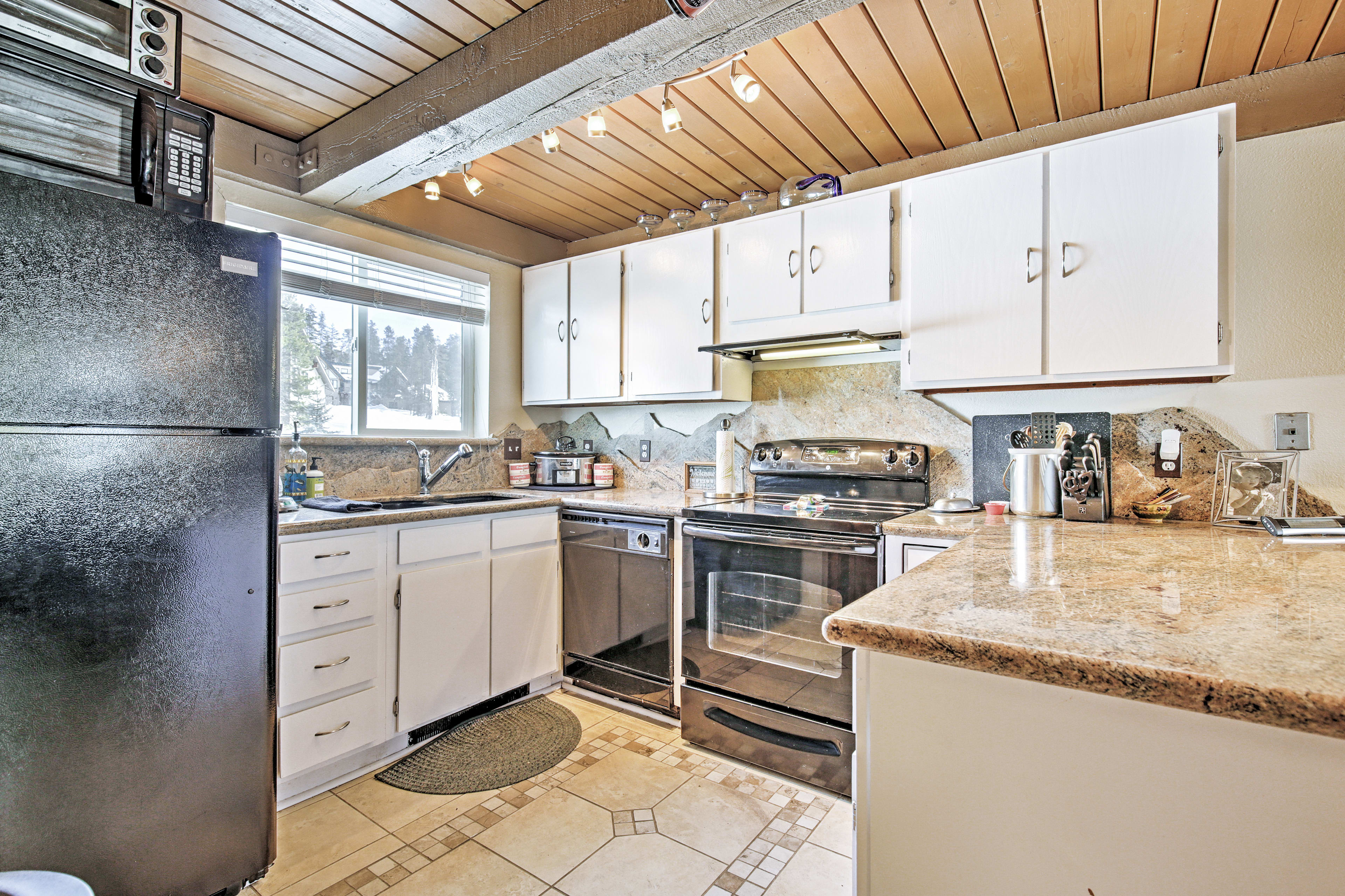 Fully Equipped Kitchen | Main Floor | Coffee Maker | Dishware/Flatware Provided