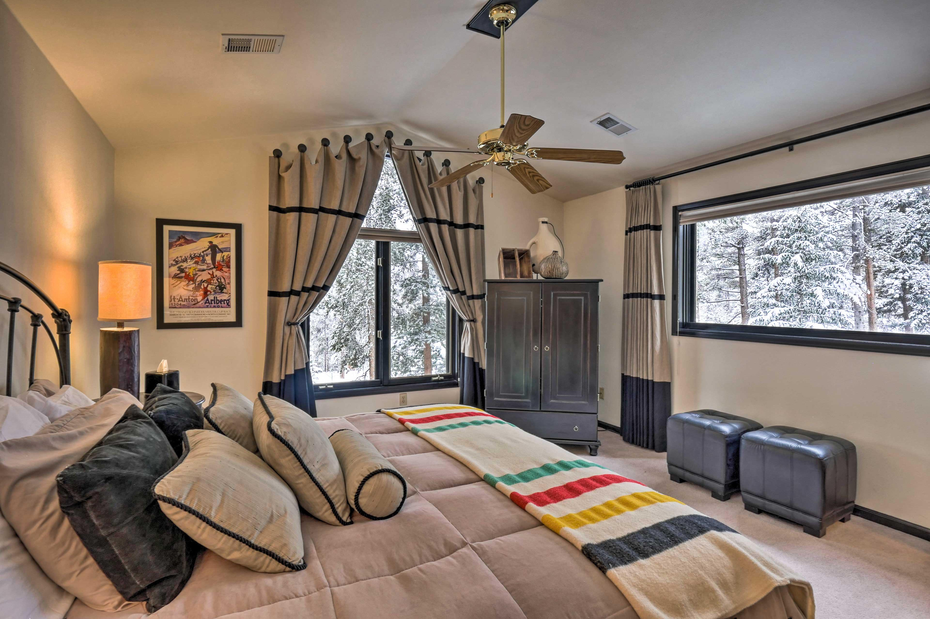 Master Bedroom   King Bed   Second Floor