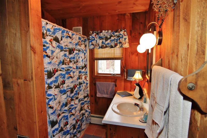 Bathroom 1   Towels Provided   Complimentary Toiletries