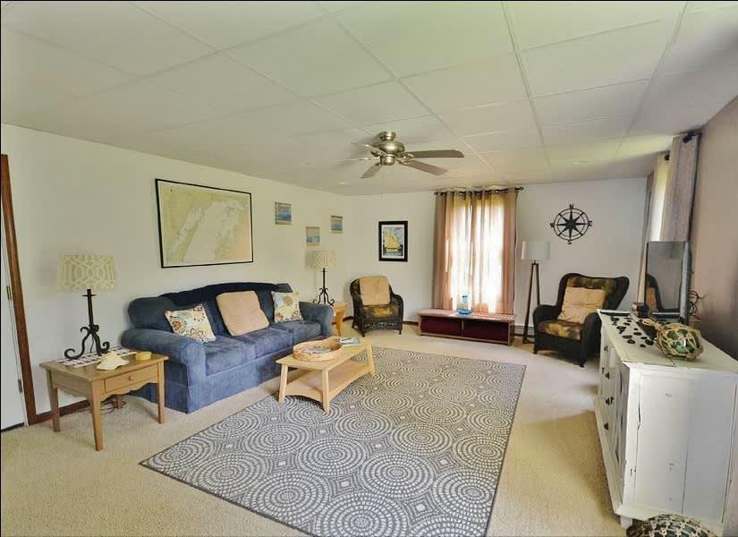 Living Room   Additional Sleeping: Queen Air Mattress