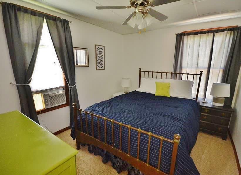 Master Bedroom   Queen Bed   1st Floor   Linens Provided