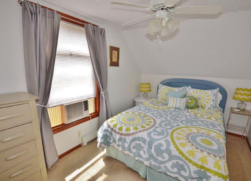Bedroom 2   Queen Bed   2nd Floor   Linens Provided