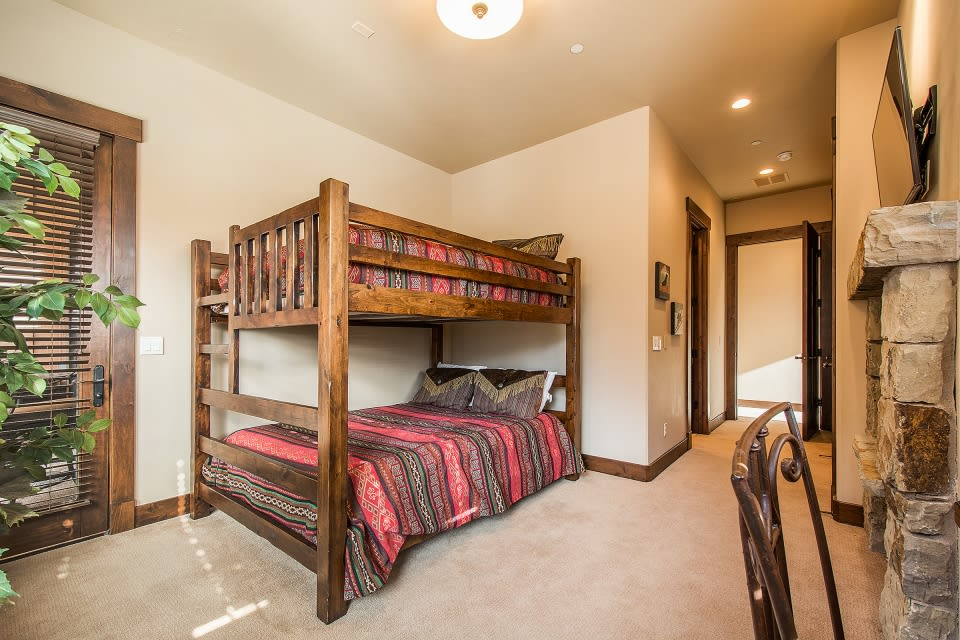 Bedroom 2 | Cable TV | Gas Fireplace