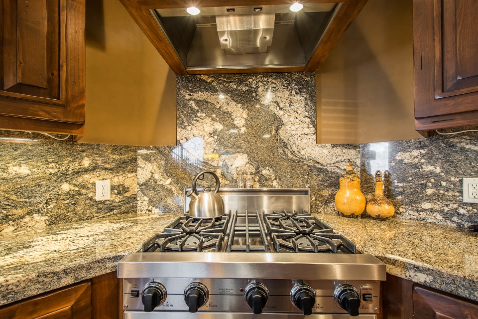 Kitchen | Gas Stove