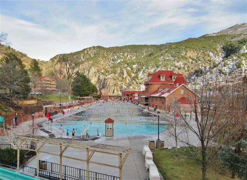 Glenwood Hot Springs Pool (0.7 miles)