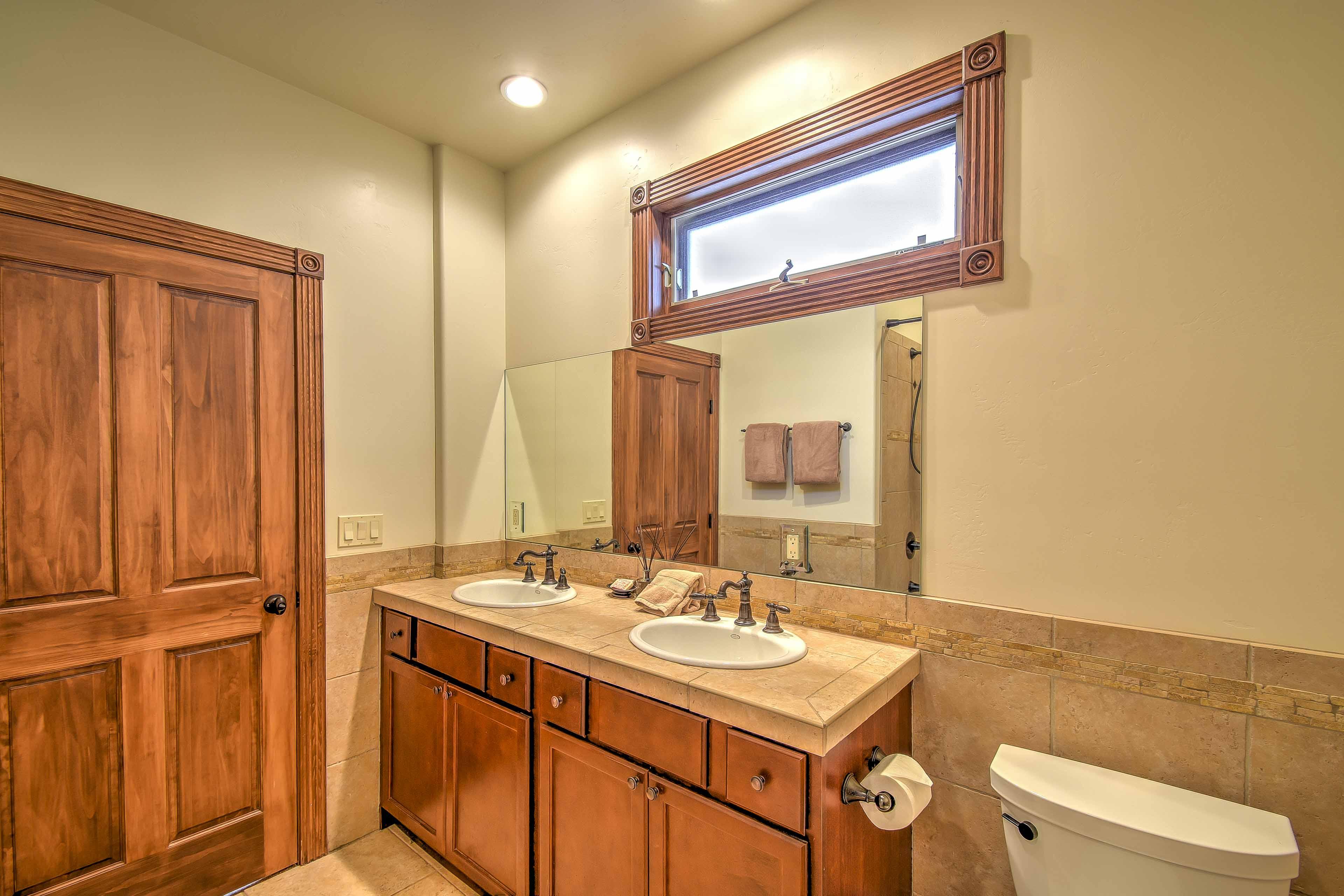 Full Bathroom | Dual-Sink Vanity
