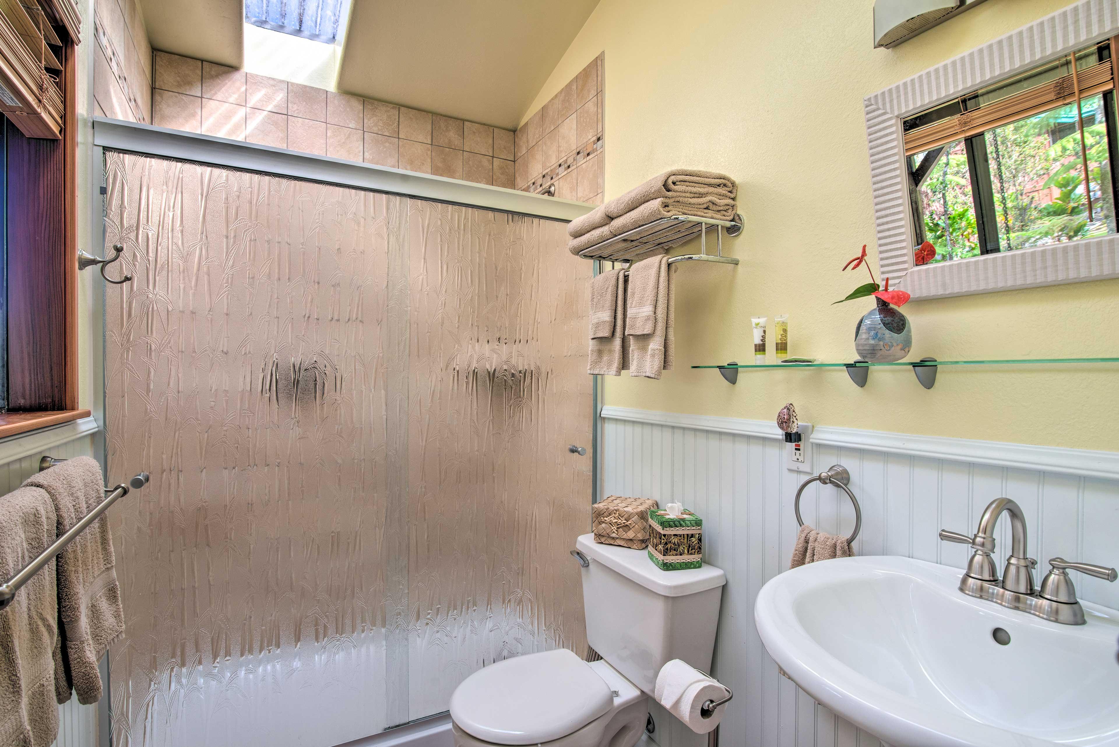 Bathroom | Complimentary Toiletries | Towels Provided