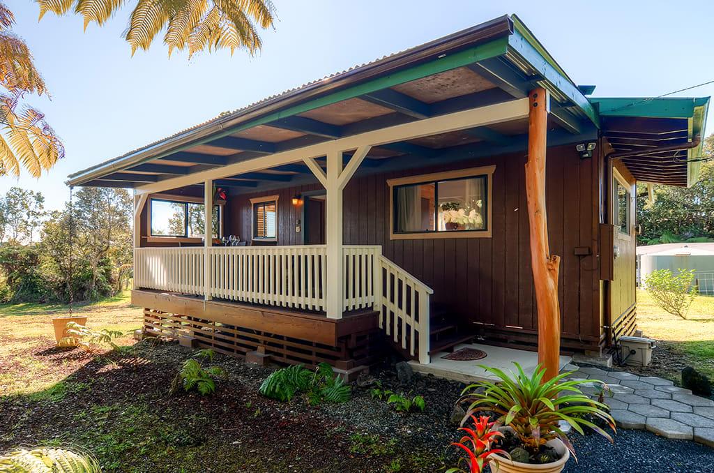 Studio Exterior | Private Lanai | Furnished Porch