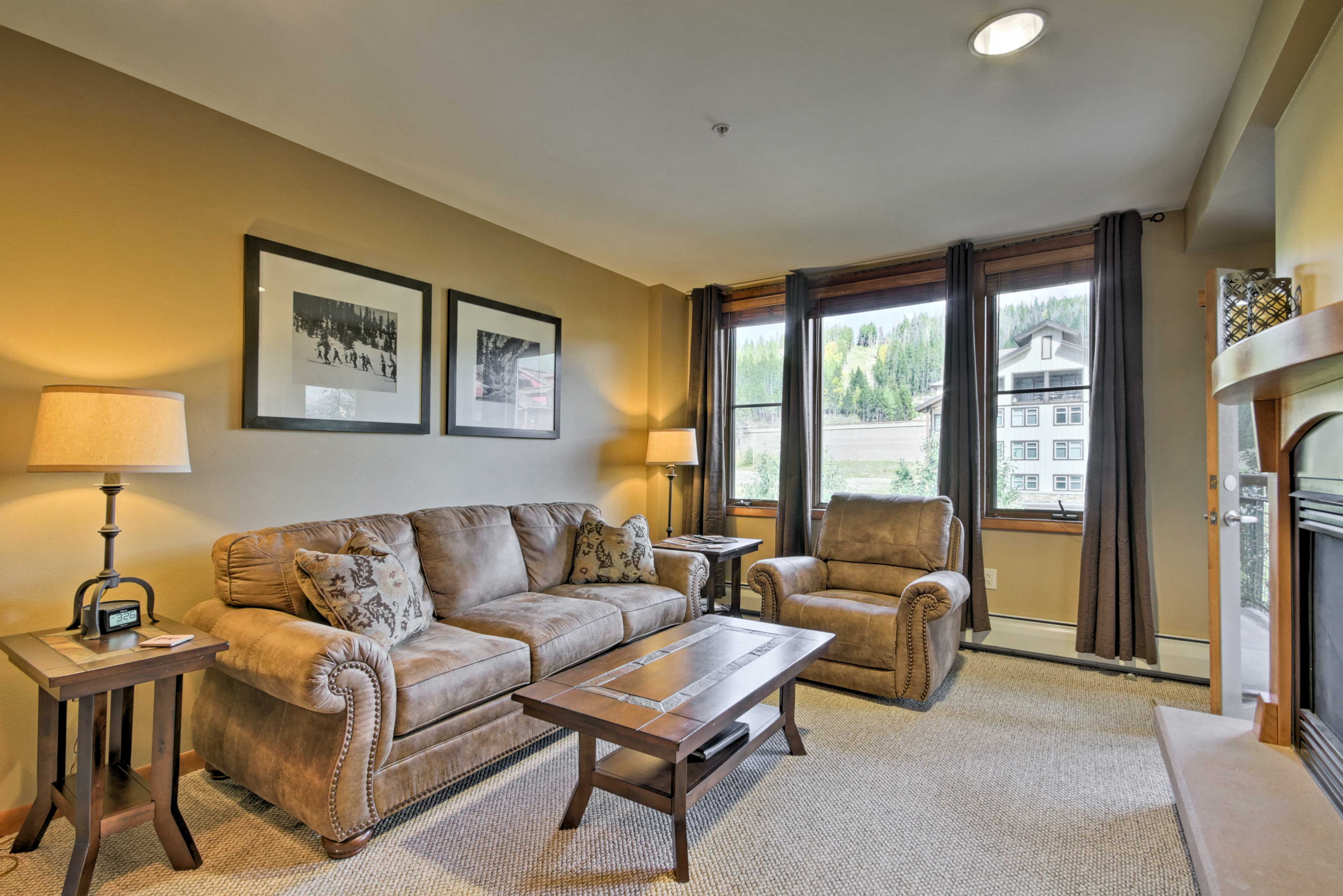 Living Room | Sleeper Sofa | Free WiFi | Central Heating
