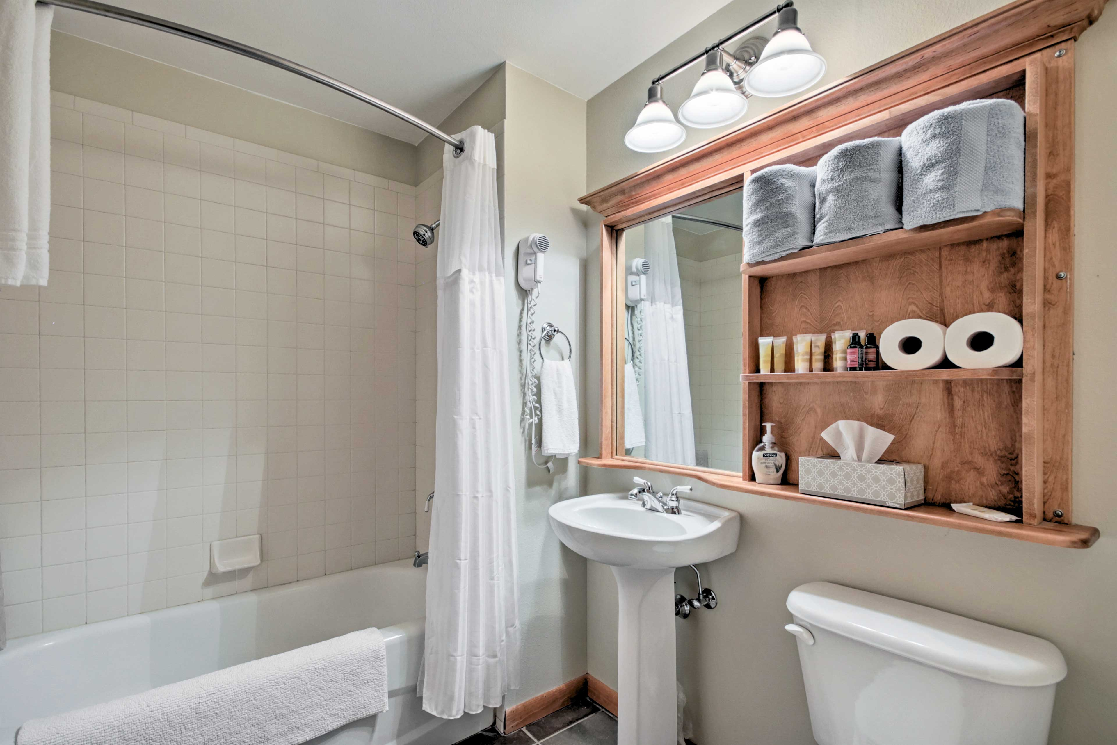 Bathroom | Hair Dryer | Towels Provided