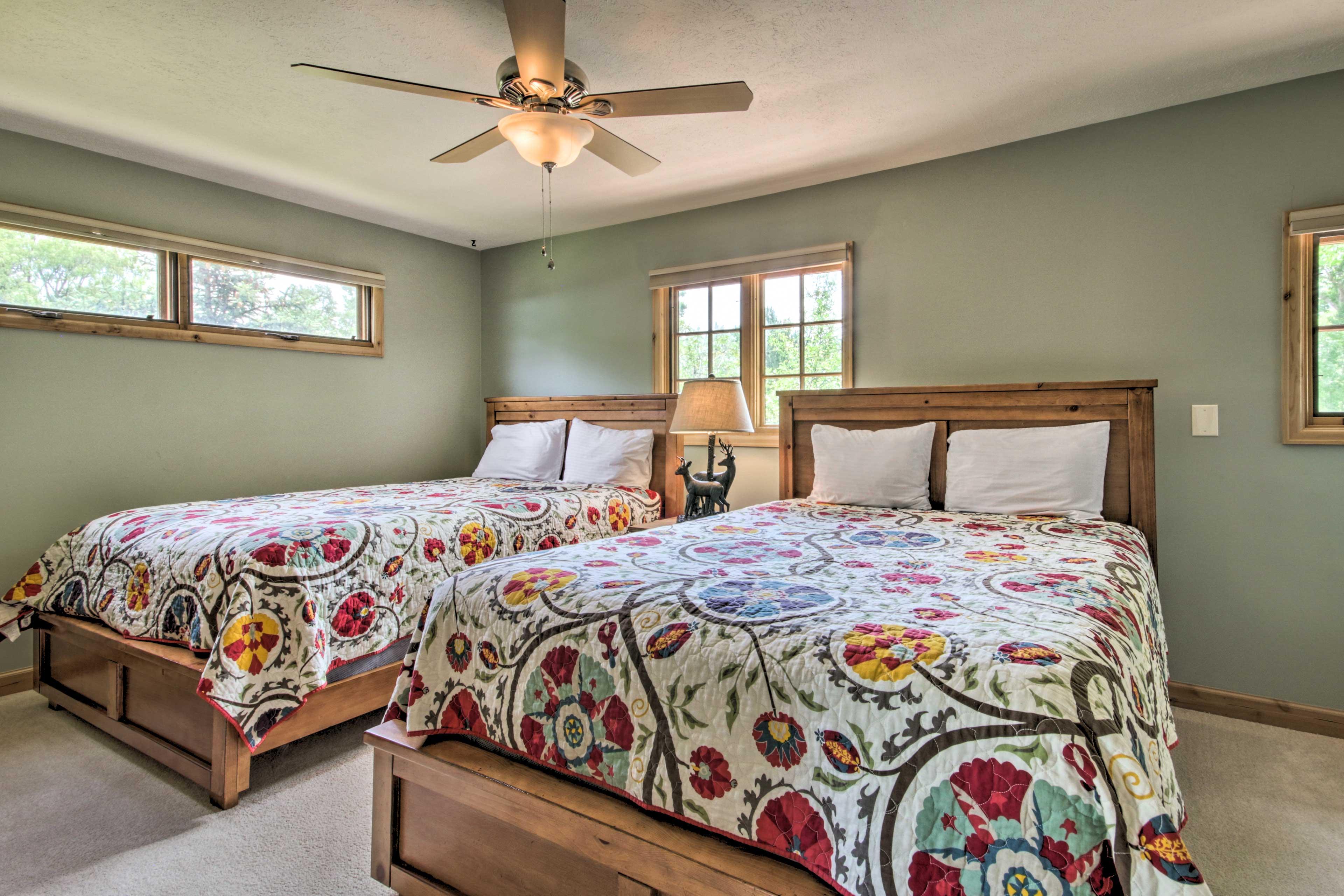 Bedroom 5 (Apartment)   2nd Floor   2 Queen Beds