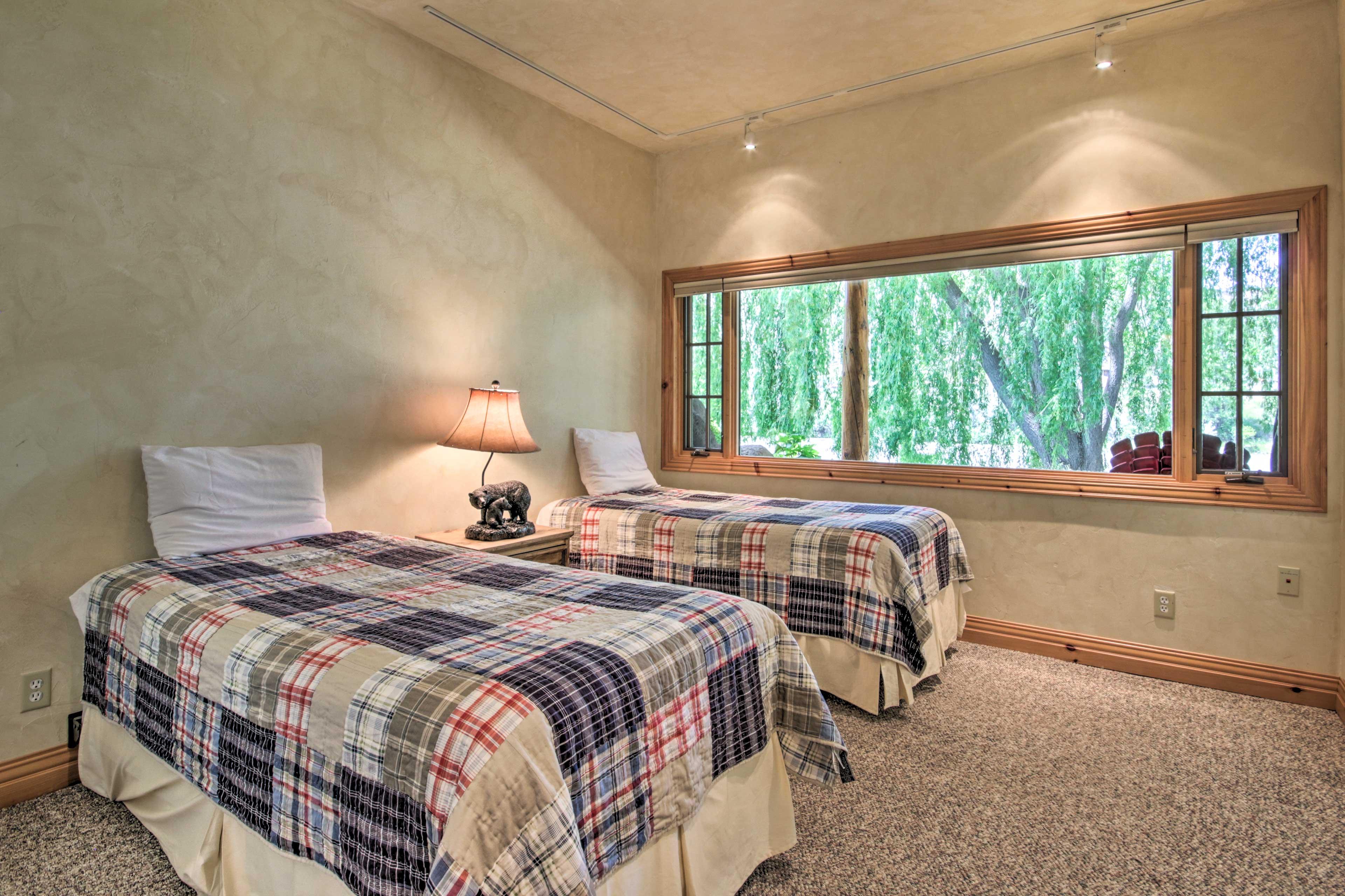 Main House   Bedroom 4   Ground Floor   2 Twin Beds