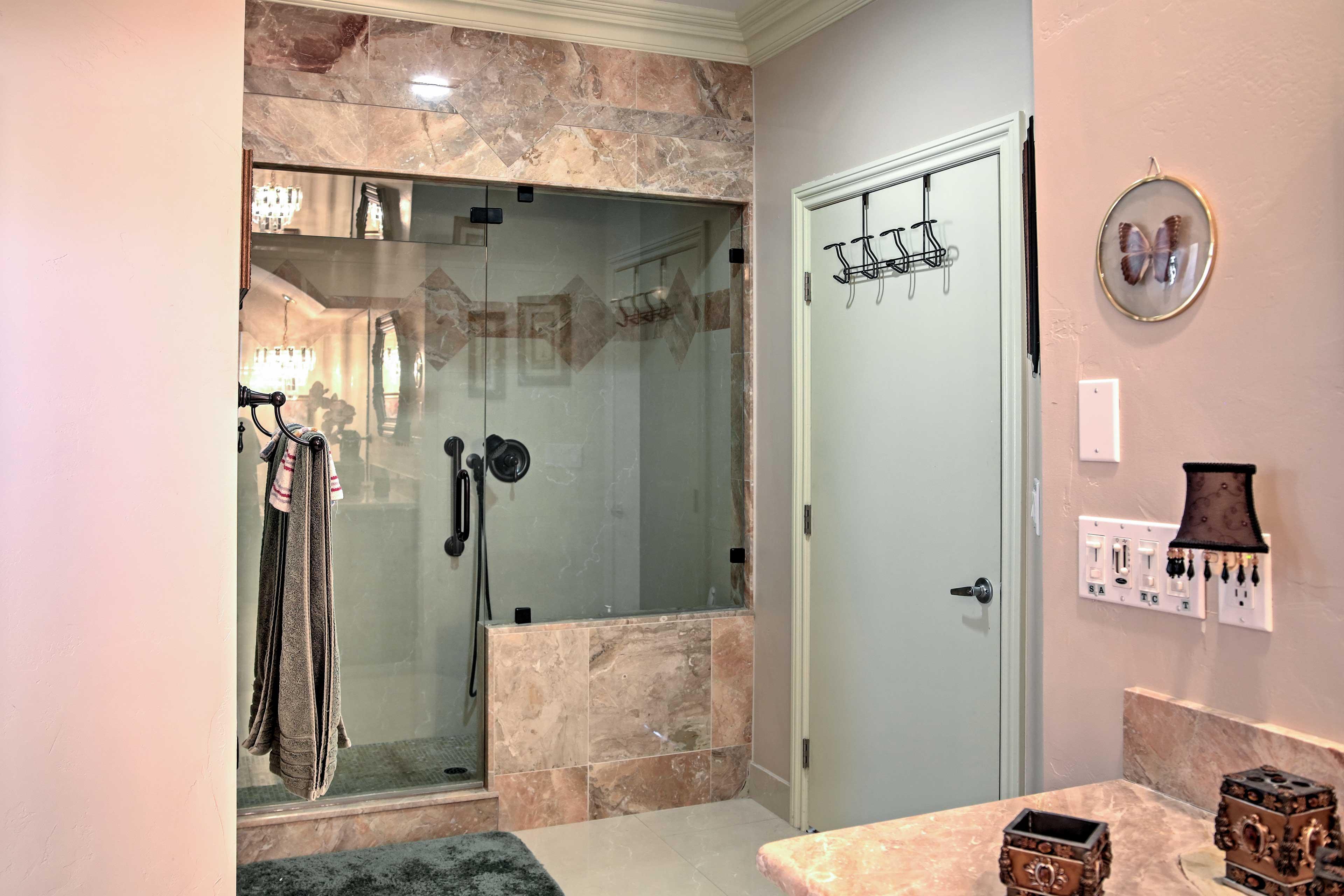 Master Bathroom | Walk-In Shower
