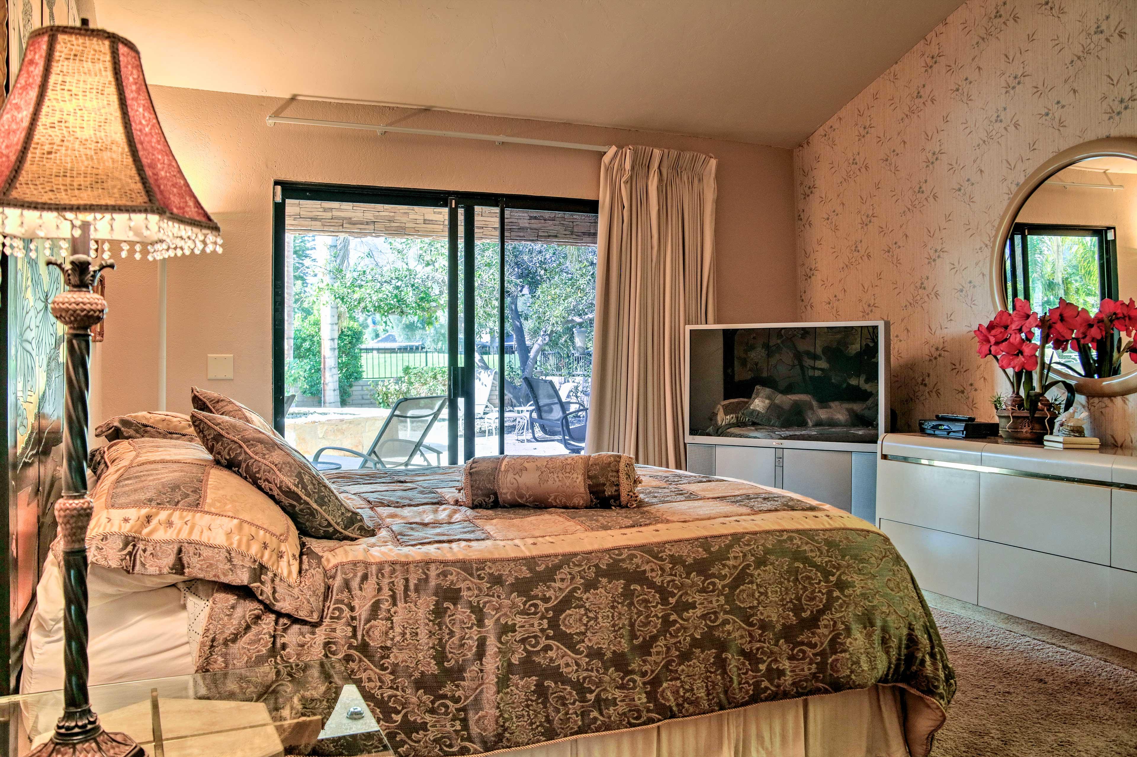 Master Bedroom 2 | King Bed | Linens Provided