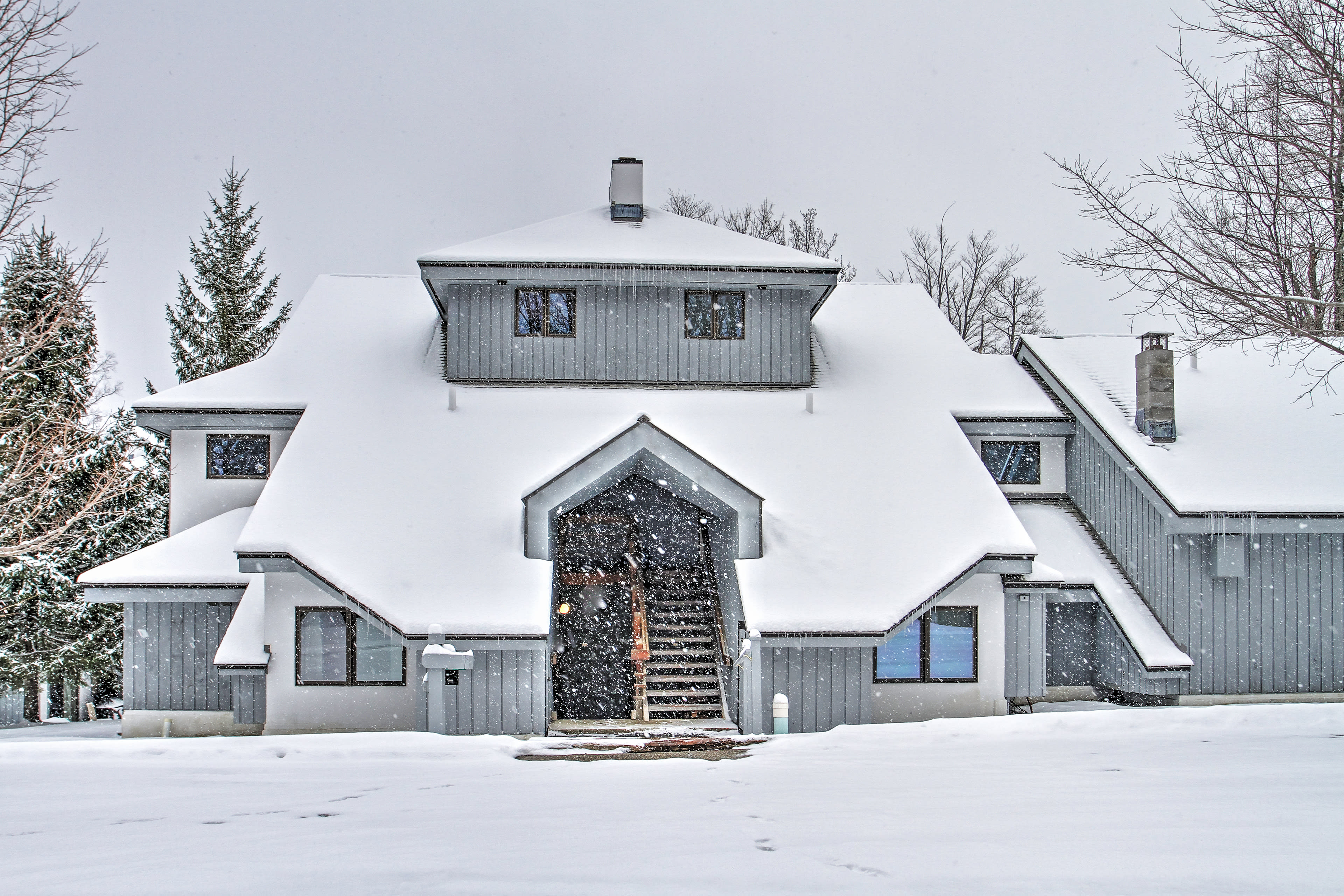No matter the season, this condo is the perfect Vermont home-away-from-home!