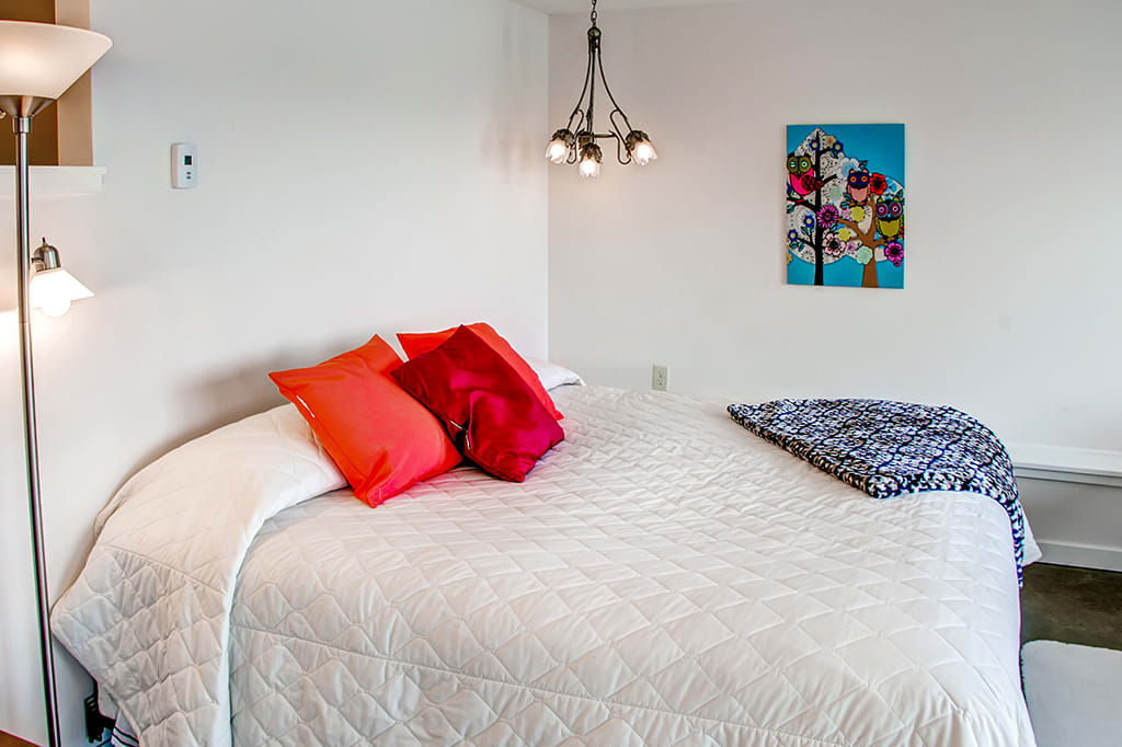 Bedroom | King bed | 2 Twin Beds