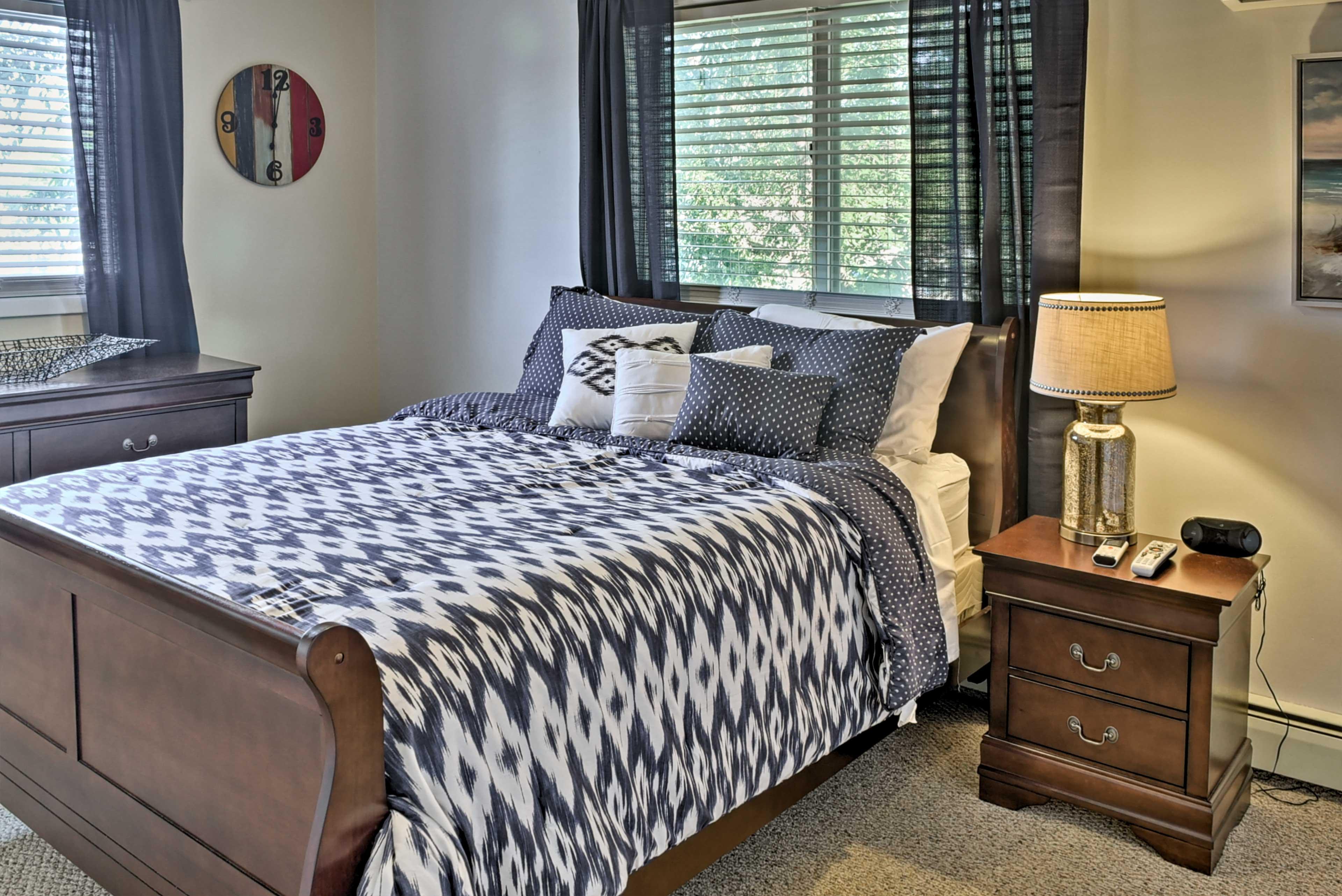 Bedroom 2 | Queen Bed | 2nd Level