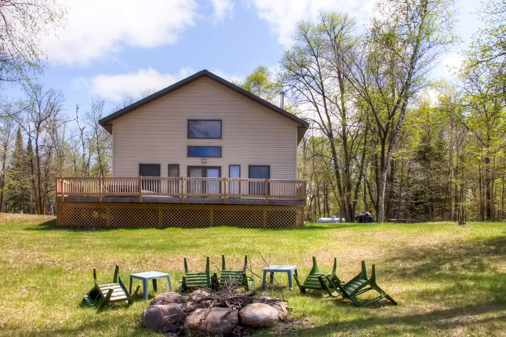 Property Exterior | Side Yard | Fire Pit