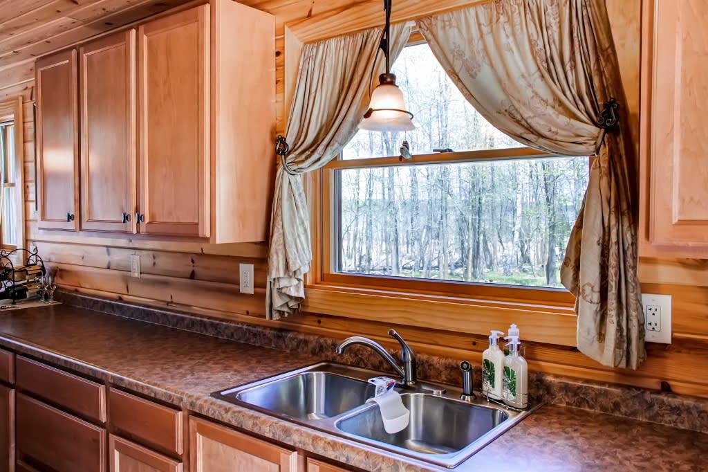 Kitchen | Lake View