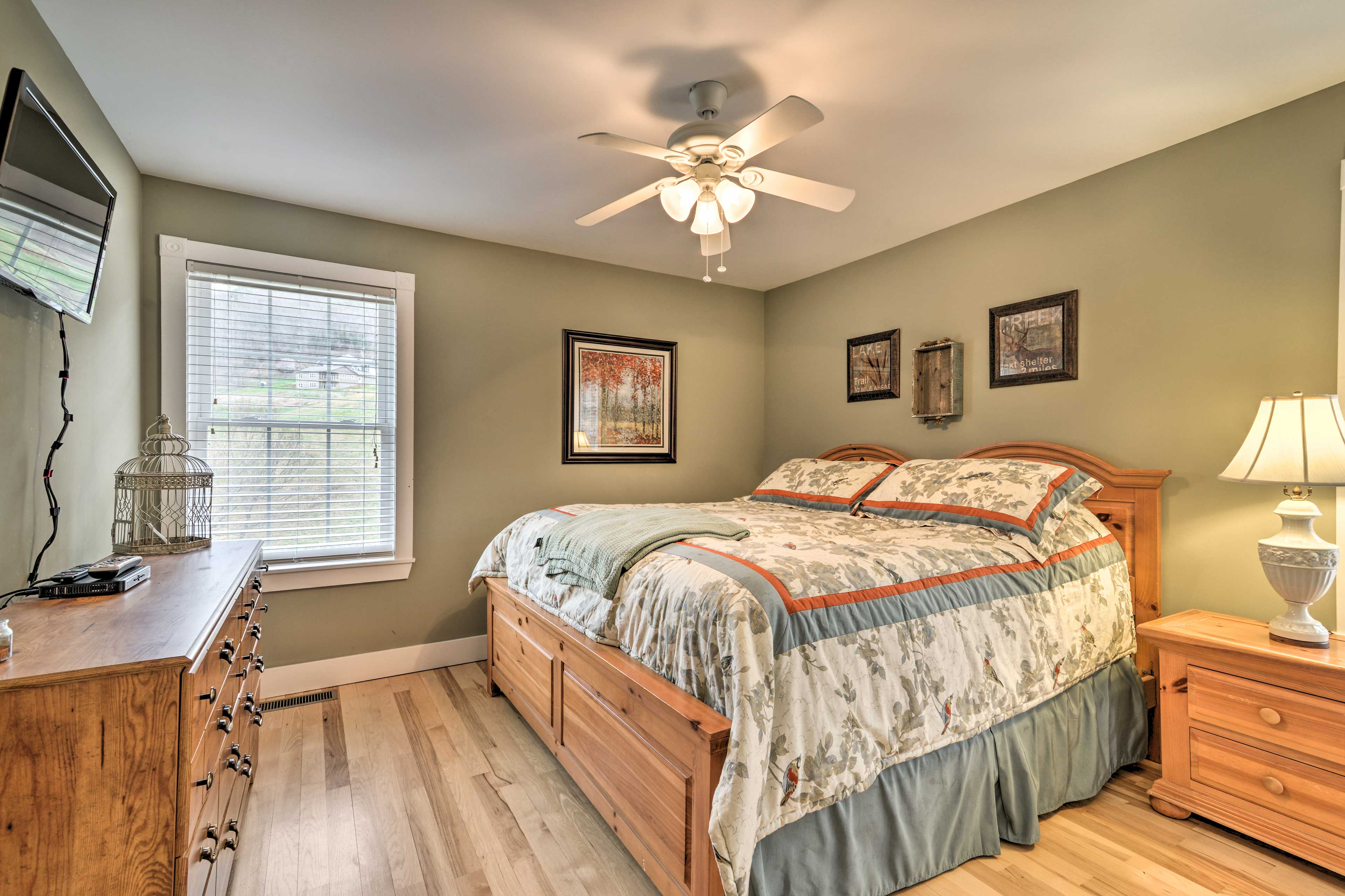 Sweet dreams! This bedroom also hosts a king bed.