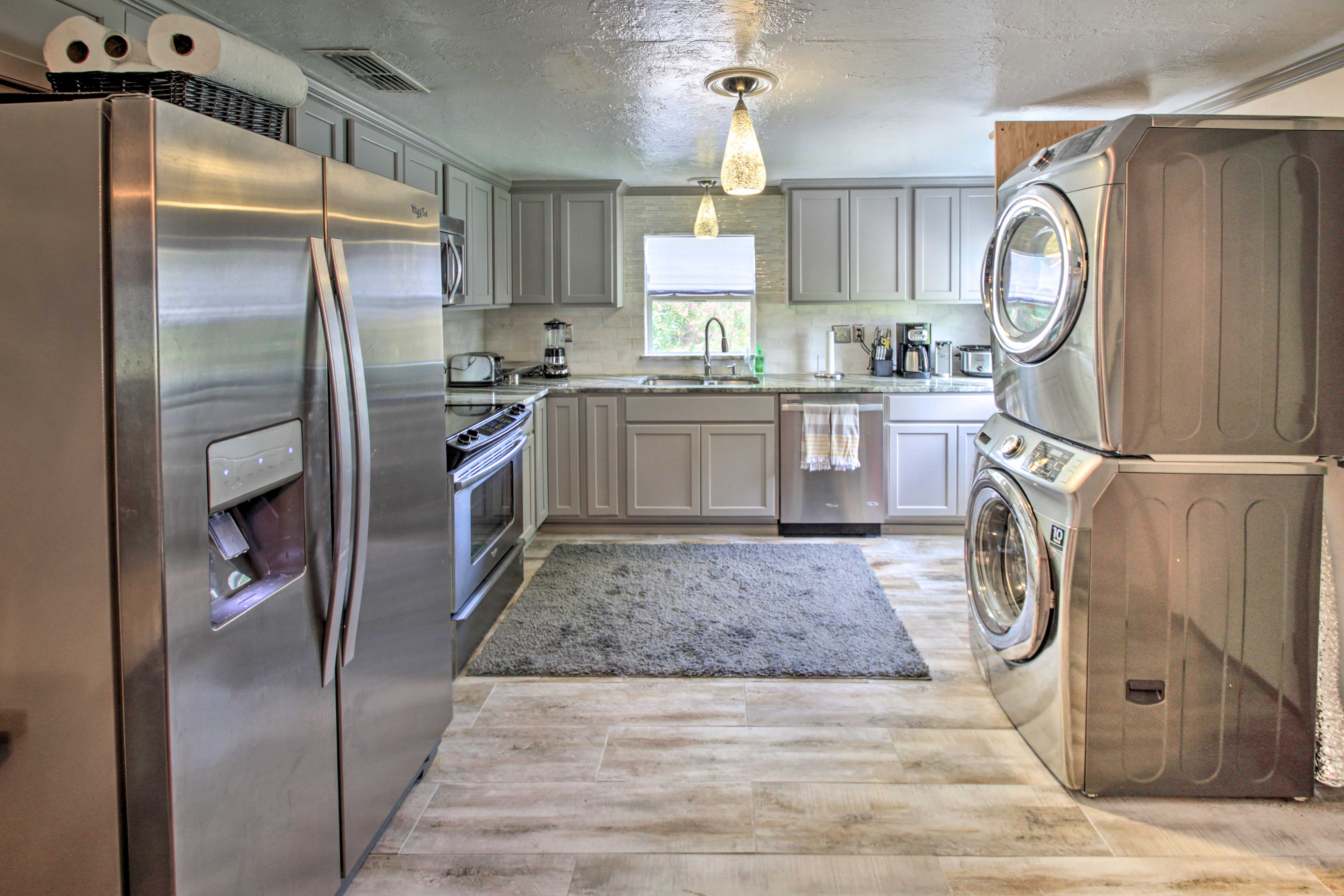 Fully Equipped Kitchen | In-Unit Washer/Dryer