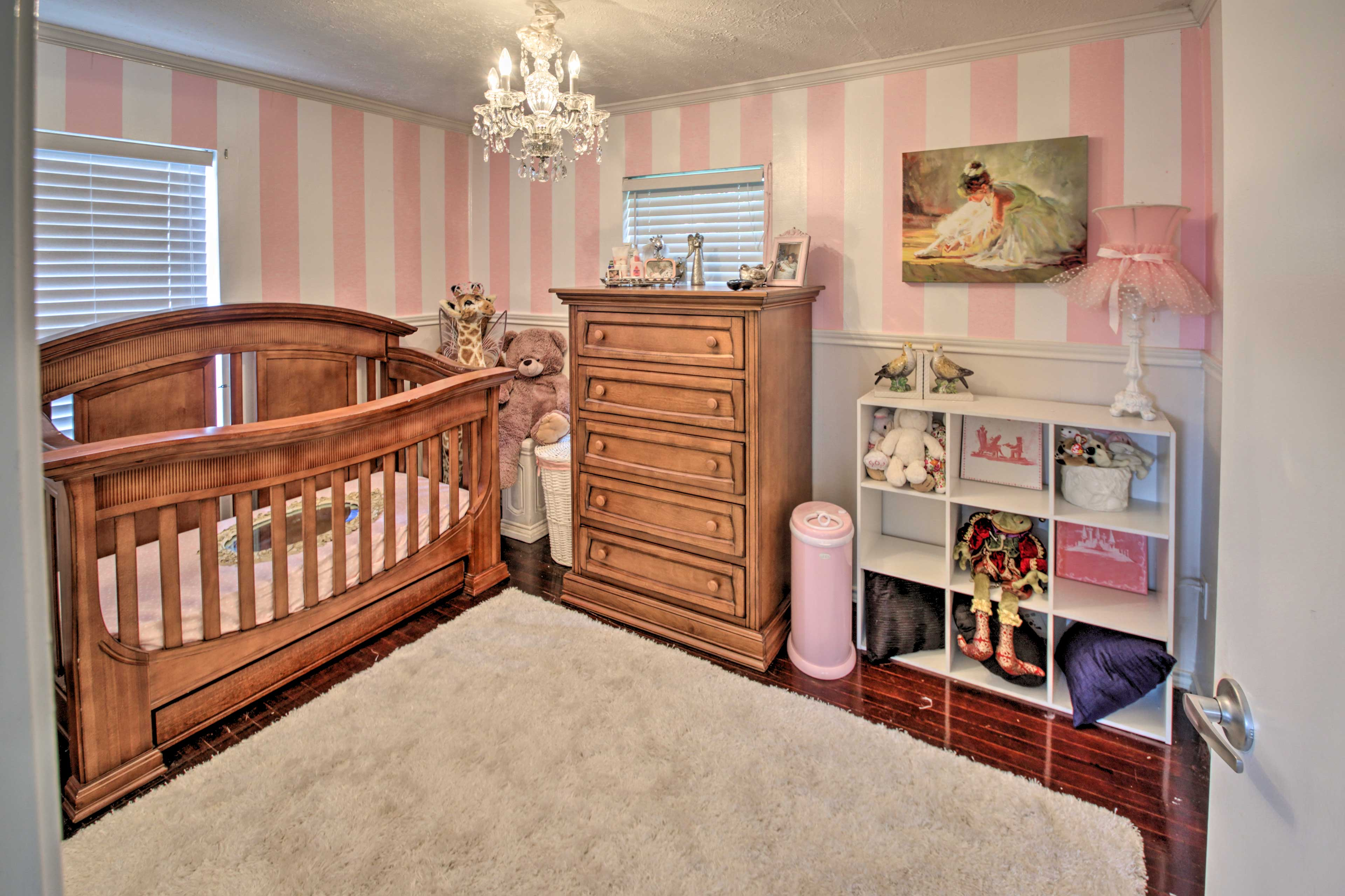 Bedroom 2 | Queen Bed | Pack 'n Play (Available Upon Request)